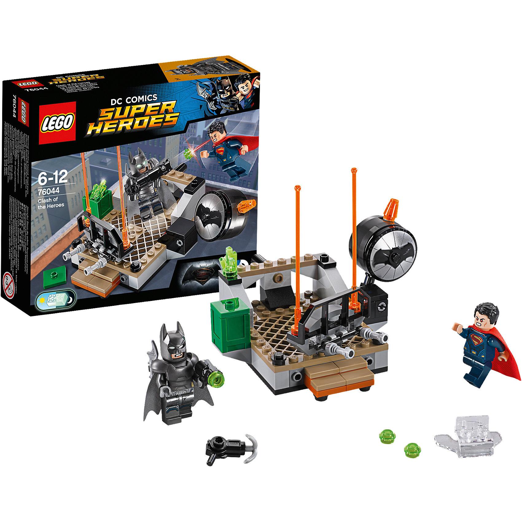 LEGO Super Heroes 76044: Битва супергероевУ Бэтмена в костюме-броне есть светящиеся в темноте глаза, и он любит пострелять из своей базуки. Круши барьеры с помощью суперджампера Супермена и взрывай Бэтсигнал. Но будь осторожен: Бэтмен в костюме-броне может пуститься с крыши в любой момент! Кто одержит победу в схватке героев? Только тебе решать!<br><br>LEGO Super Heroes (ЛЕГО Супер Герои) - серия конструкторов созданная специально по мотивам всеми известных комиксов. Спасай мир и борись со злом вместе с любимыми супергероями! Наборы серии можно комбинировать между собой, давая безграничные просторы для фантазии и придумывая свои новые истории. <br><br>Дополнительная информация:<br><br>- Конструкторы ЛЕГО развивают усидчивость, внимание, фантазию и мелкую моторику. <br>- 2 минифигурки в комплекте: Бэтмен, Супермен.<br>- В комплекте 2 минифигурки, аксессуары, суперджампер, бэтсигнал. <br>- Количество деталей: 92.<br>- Серия ЛЕГО Супер Герои (LEGO Super Heroes).<br>- Материал: пластик.<br>- Размер упаковки: 16х4,5х14 см.<br>- Вес: 0.14 кг.<br><br>Конструктор LEGO Super Heroes 76044: Битва супергероев можно купить в нашем магазине.<br><br>Ширина мм: 159<br>Глубина мм: 139<br>Высота мм: 48<br>Вес г: 133<br>Возраст от месяцев: 72<br>Возраст до месяцев: 144<br>Пол: Мужской<br>Возраст: Детский<br>SKU: 4259154