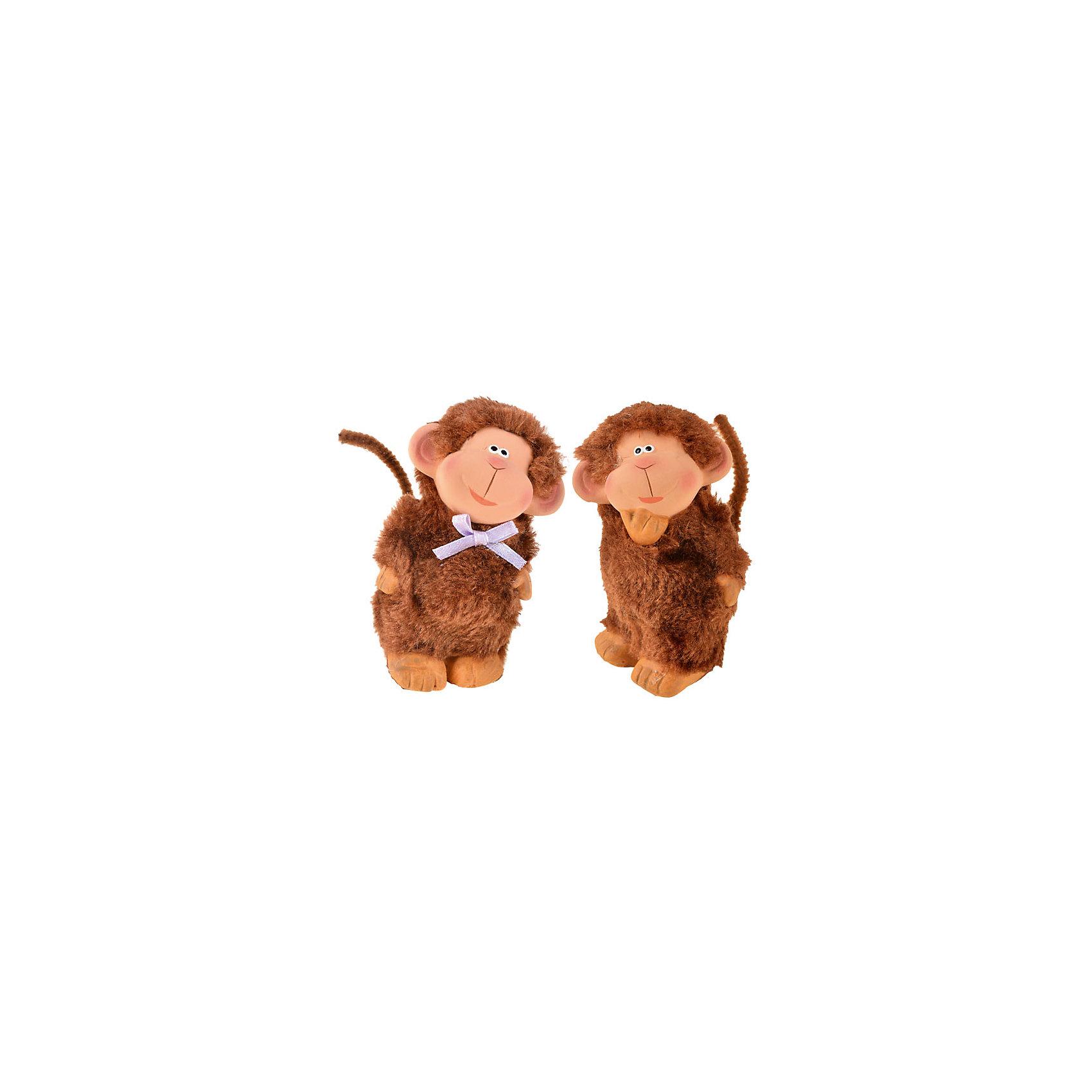 Фигурка керамическая Обезьяна,  в ассортиментеНовинки Новый Год<br>Фигурка керамическая Обезьяна,  в ассортименте – эта фигурка украсит интерьер и создаст праздничное настроение!<br>Фигурка в виде забавной обезьянки будет отличным презентом в преддверии Нового 2016 года, а также милым аксессуаром в праздничном интерьере. Обезьяна изготовлена из керамики. Ее шерсть сделана из искусственного меха, поэтому животное выглядит пушистым.<br><br>Дополнительная информация:<br><br>- Материал: керамика, мех<br>- 2 вида в ассортименте<br>- Размер упаковки: 4 х 9 см.<br>- Вес: 190 гр.<br>- ВНИМАНИЕ! Данный артикул представлен в разных вариантах исполнения. К сожалению, заранее выбрать определенный вариант невозможно. При заказе нескольких наборов возможно получение одинаковых<br><br>Фигурку керамическую Обезьяна, в ассортименте можно купить в нашем интернет-магазине.<br><br>Ширина мм: 40<br>Глубина мм: 40<br>Высота мм: 90<br>Вес г: 190<br>Возраст от месяцев: 36<br>Возраст до месяцев: 1188<br>Пол: Унисекс<br>Возраст: Детский<br>SKU: 4262234