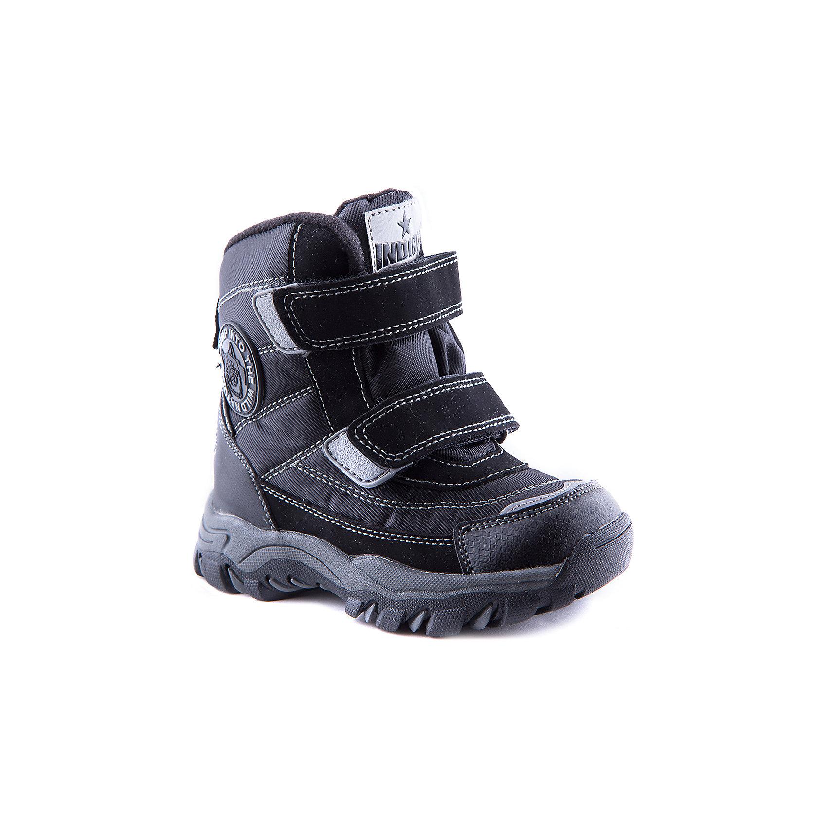 Ботинки для мальчика Indigo kidsБотинки<br>Ботинки для мальчика Indigo kids - прекрасный вариант для холодной погоды. Модель спокойной расцветки хорошо сочетается с различной одеждой. Ботинки застегиваются на липучки, имеют усиленный нос и задник с влагонепроницаемыми вставками. Дополнены петлей для удобного одевания и светоотражающими элементами. Модель выполнена из высококачественных материалов, имеет мягкую шерстяную подкладку обеспечивающую тепло и комфорт.<br><br>Дополнительная информация:<br><br>- Сезон: осень/зима<br>- Температурный режим: от 0? до - 10?.<br>- Тип застежки: липучка <br>- Рифленая подошва.<br>- Влагонепроницаемые вставки.<br>- Декоративные элементы:  логотип.<br>- Светоотражающие элементы.<br>Параметры для размера 25<br>- Толщина подошвы: 2 см.<br>- Высота каблука: 3 см.<br>Состав:<br>Материал верха: Текстиль/Искусственная кожа.<br>Материал подкладка: Шерсть.<br>Стелька: Шерсть.<br>Подошва: ТЭП.<br><br>Сапоги для мальчика Indigo kids (Индиго Кидс) можно купить в нашем магазине.<br><br>Ширина мм: 262<br>Глубина мм: 176<br>Высота мм: 97<br>Вес г: 427<br>Цвет: черный<br>Возраст от месяцев: 36<br>Возраст до месяцев: 48<br>Пол: Мужской<br>Возраст: Детский<br>Размер: 27,25,28,30,29,26<br>SKU: 4262357