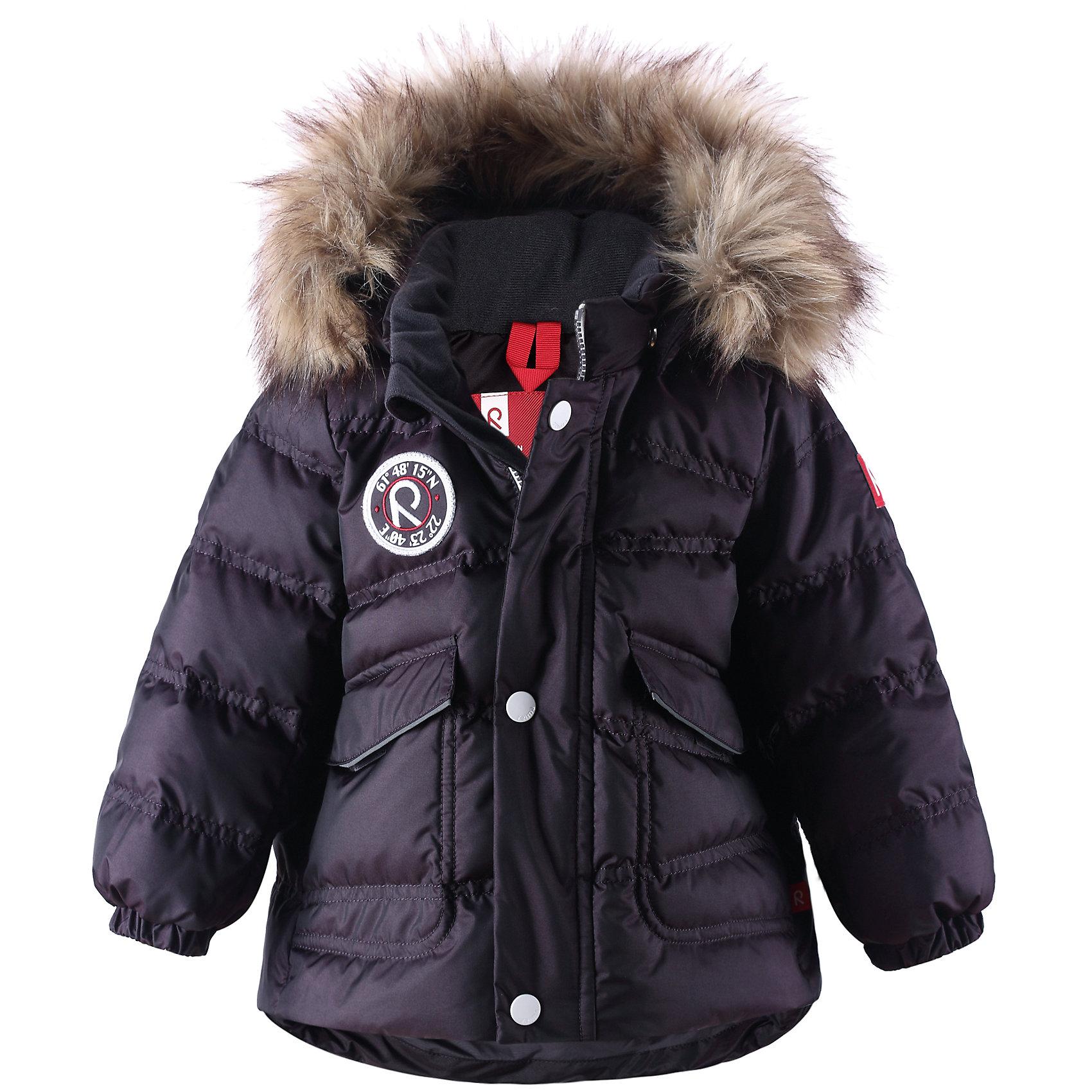 Пальто  ReimaОчень теплая, стильная зимняя куртка для отдыха на открытом воздухе. Универсальная модель. Отлично дополняет спортивный или классический образ.<br><br>Дополнительная информация:<br><br>Высокая степень утепления: до -30<br>Водонепроницаемость 1000 мм<br>Водоотталкивающий пуховик, модель для мальчиков<br>Съемная отделка из искусственного меха на съемном капюшоне<br>Два кармана под планками<br>Регулируемый подол<br>Состав: 55% Полиамид 45% Полиэстер, Полиуретан-покрытие<br><br>Пальто  Reima (Рейма) можно купить в нашем магазине.<br><br>Ширина мм: 356<br>Глубина мм: 10<br>Высота мм: 245<br>Вес г: 519<br>Цвет: серый<br>Возраст от месяцев: 6<br>Возраст до месяцев: 9<br>Пол: Унисекс<br>Возраст: Детский<br>Размер: 74,80,92,98,86<br>SKU: 4268559