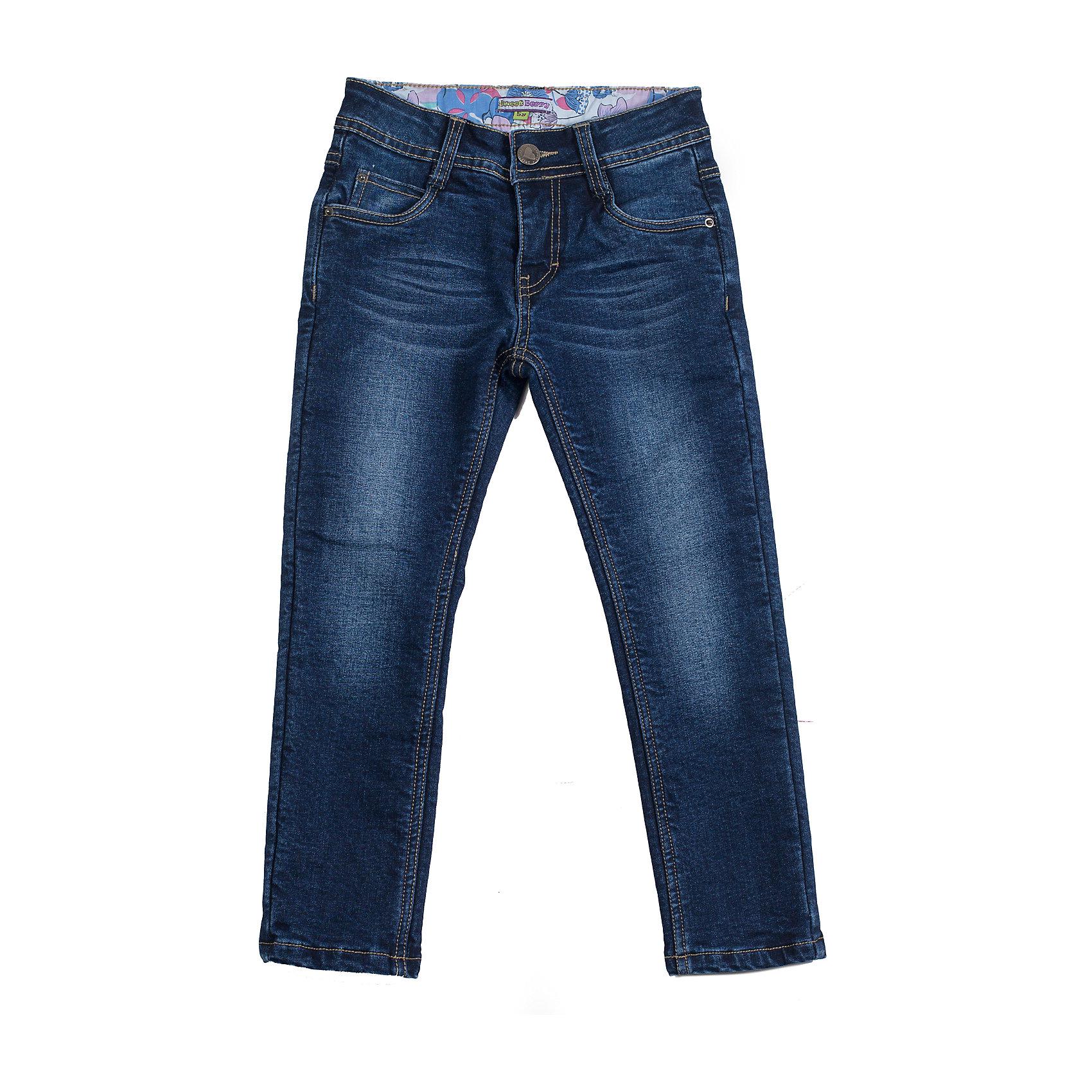Джинсы для девочки Sweet BerryДжинсы<br>Базовые джинсы на девочку, застежка на пуговицу и молнию, декорированы эффектом потертости. Отличное решение на каждый день.<br>Состав:<br>Верх: 98% хлопок, 2% эластан, Подкладка 100% хлопок<br><br>Ширина мм: 215<br>Глубина мм: 88<br>Высота мм: 191<br>Вес г: 336<br>Цвет: синий<br>Возраст от месяцев: 24<br>Возраст до месяцев: 36<br>Пол: Женский<br>Возраст: Детский<br>Размер: 98,104,128,122,116,110<br>SKU: 4272854