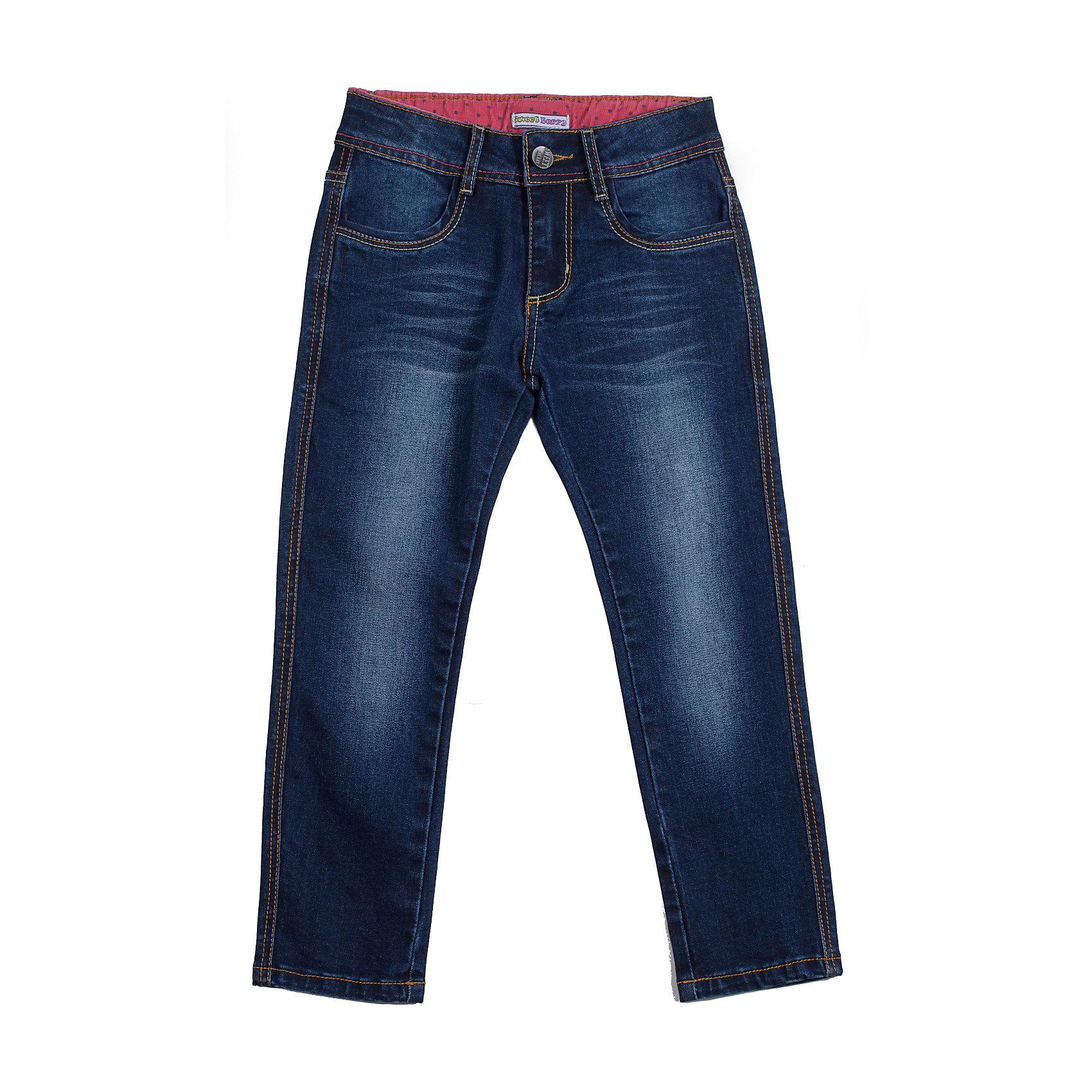 Джинсы для девочки Sweet BerryДжинсы на девочку. Классическая модель 5 карманов отлично сочетается с футболками и блузками. Декорированы контрастными отстрочками.<br>Состав:<br>98% хлопок, 2% эластан<br><br>Ширина мм: 215<br>Глубина мм: 88<br>Высота мм: 191<br>Вес г: 336<br>Цвет: синий<br>Возраст от месяцев: 48<br>Возраст до месяцев: 60<br>Пол: Женский<br>Возраст: Детский<br>Размер: 110,128,116,104,98,122<br>SKU: 4272945