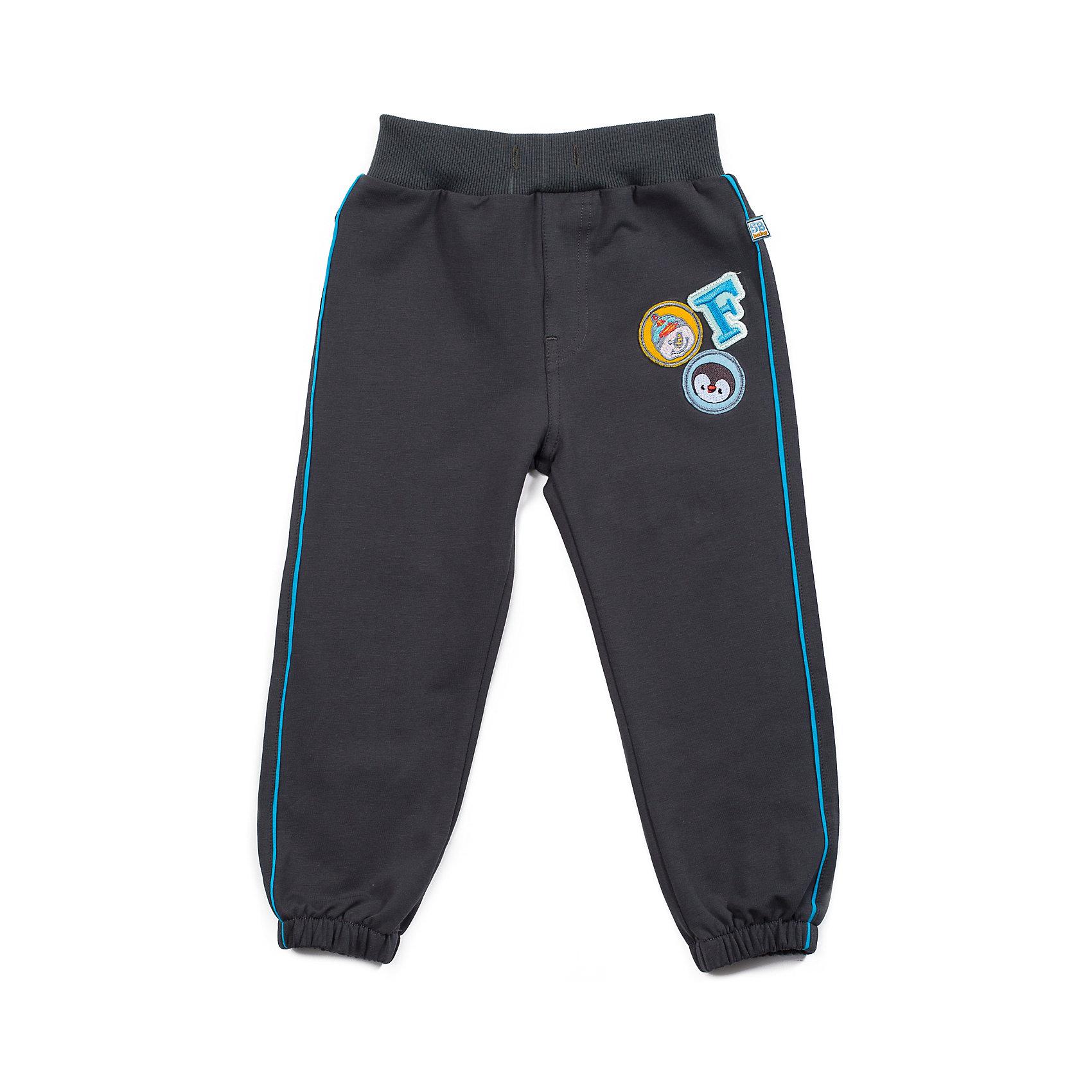Брюки для мальчика Sweet BerryУдобные трикотжные брюки для мальчика. На эластичном поясе с внутренней резинкой и дополнительным хлопковым шнурком. Декорированы контрастным кантом и шевронами По низу собраны на резинку.<br>Состав:<br>95% хлопок, 5% эластан<br><br>Ширина мм: 215<br>Глубина мм: 88<br>Высота мм: 191<br>Вес г: 336<br>Цвет: серый<br>Возраст от месяцев: 9<br>Возраст до месяцев: 12<br>Пол: Мужской<br>Возраст: Детский<br>Размер: 86,92,80,98<br>SKU: 4273307