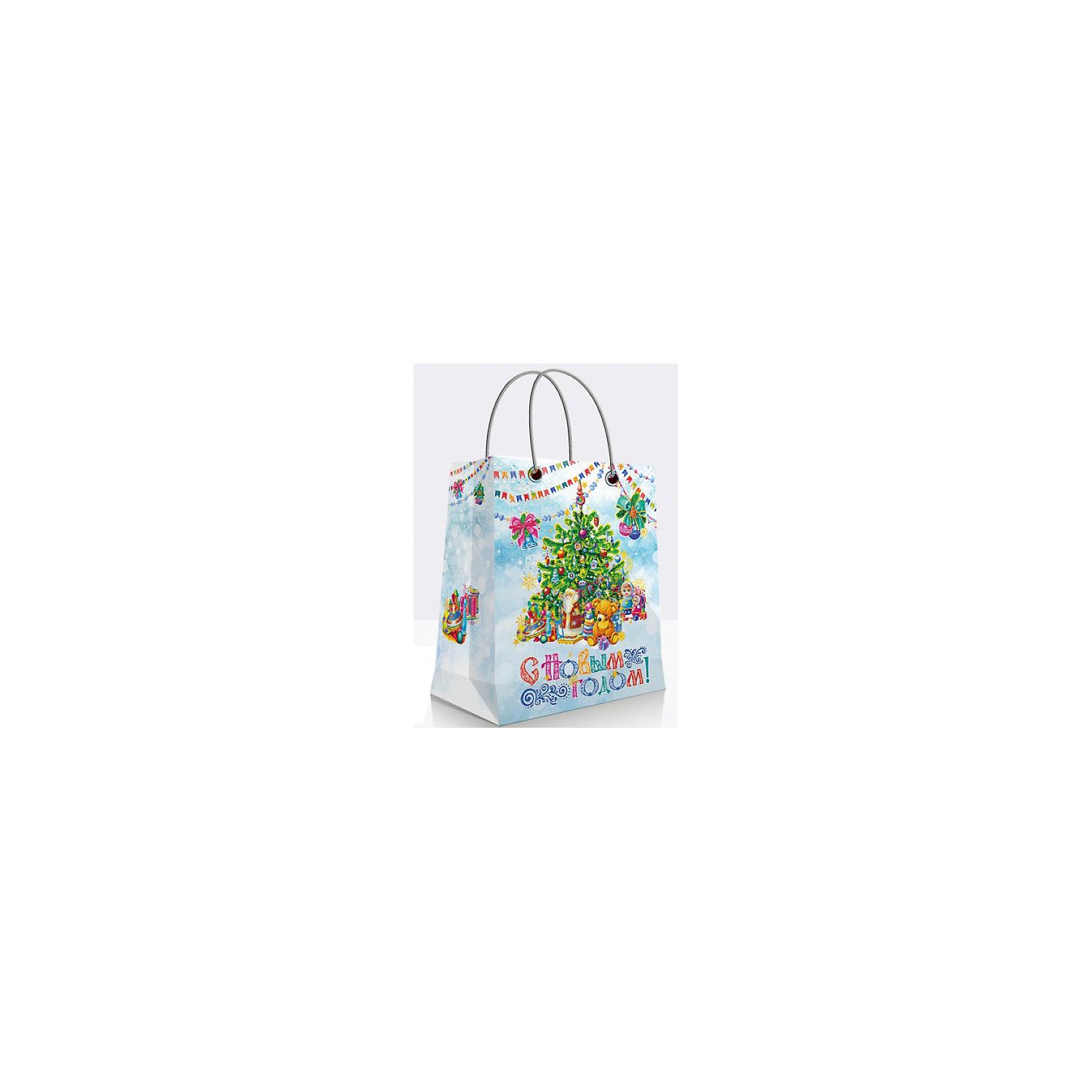 Подарочный пакет Новогодняя ёлка 23*33*13 смПодарочный пакет Новогодняя ёлка, Феникс-презент, поможет Вам красиво оформить новогодний подарок для своих родных и друзей. Красочный пакет с двумя ручками и широким основанием украшен изображениями нарядной новогодней елки и детских игрушек. Поверхность<br>ламинирована.<br><br><br>Дополнительная информация:<br><br>- Материал: бумага.<br>- Размер: 26 х 33 х 13 см.<br>- Ширина основания: 26 см.<br>- Плотность: 140 г/м2.<br>- Вес: 67 гр. <br><br>Подарочный пакет Новогодняя ёлка, Феникс-презент, можно купить в нашем интернет-магазине.<br><br>Ширина мм: 130<br>Глубина мм: 330<br>Высота мм: 260<br>Вес г: 67<br>Возраст от месяцев: 36<br>Возраст до месяцев: 2147483647<br>Пол: Унисекс<br>Возраст: Детский<br>SKU: 4274713