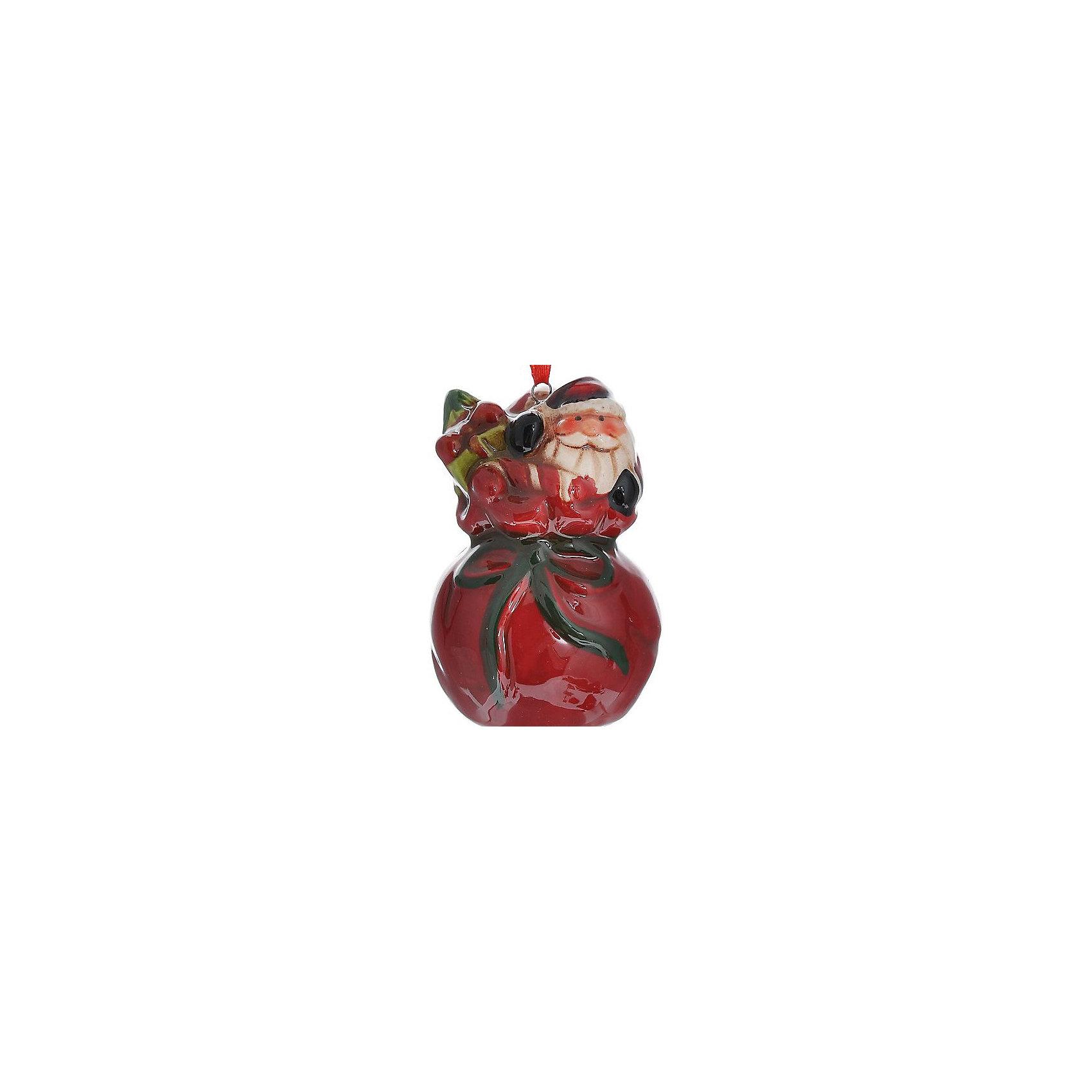 Новогоднее украшение Дед МорозНовинки Новый Год<br>Новогоднее украшение – это декоративное украшение замечательно украсит интерьер.<br>Изящное новогоднее украшение выполнено из керамики и представляет собой подвеску с изображением Деда Мороза в мешке с подарками. С помощью специальной петельки его можно повесить в любом понравившемся вам месте. Но, конечно, удачнее всего такая игрушка будет смотреться на праздничной елке. Новогодние украшения приносят в дом волшебство и ощущение праздника. Создайте в своем доме атмосферу веселья и радости, украшая новогоднюю елку нарядными игрушками, которые будут из года в год накапливать теплоту воспоминаний.<br><br>Дополнительная информация:<br><br>- Размер: 4,3 х 4,3 х 7,1 см.<br>- Материал: керамика<br><br>Новогоднее украшение принесет в ваш дом ни с чем несравнимое ощущение волшебства!<br><br>Новогоднее украшение можно купить в нашем интернет-магазине.<br><br>Ширина мм: 55<br>Глубина мм: 55<br>Высота мм: 81<br>Вес г: 104<br>Возраст от месяцев: 36<br>Возраст до месяцев: 2147483647<br>Пол: Унисекс<br>Возраст: Детский<br>SKU: 4276461