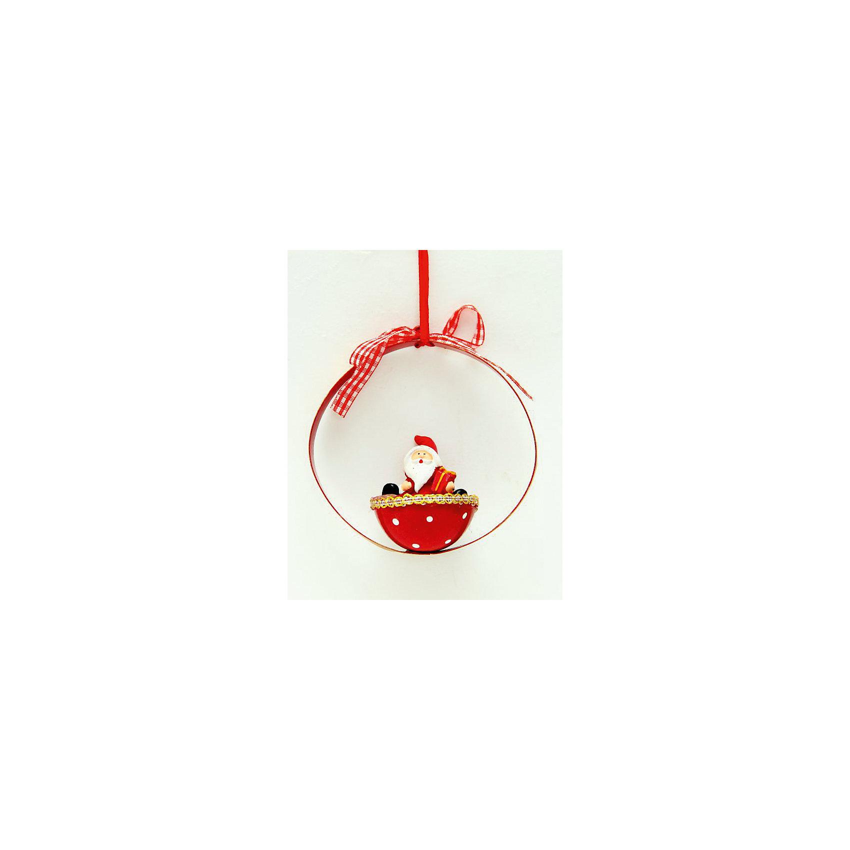 Новогоднее украшение Дед Мороз в корзинкеНовинки Новый Год<br>Новогоднее украшение – это декоративное украшение замечательно украсит интерьер.<br>Изящное новогоднее украшение выполнено из полирезины и черного металла в виде Деда Мороза в корзинке. С помощью специальной текстильной петельки украшение можно повесить в любом понравившемся вам месте. Но, конечно, удачнее всего такая игрушка будет смотреться на праздничной елке. Новогодние украшения приносят в дом волшебство и ощущение праздника. Создайте в своем доме атмосферу веселья и радости, украшая новогоднюю елку нарядными игрушками, которые будут из года в год накапливать теплоту воспоминаний.<br><br>Дополнительная информация:<br><br>- Размер: 9,3 х 4,7 х 9.3 см.<br>- Цвет: красный<br>- Материал: полирезина, черный металл<br><br>Новогоднее украшение принесет в ваш дом ни с чем несравнимое ощущение волшебства!<br><br>Новогоднее украшение можно купить в нашем интернет-магазине.<br><br>Ширина мм: 110<br>Глубина мм: 60<br>Высота мм: 110<br>Вес г: 100<br>Возраст от месяцев: 36<br>Возраст до месяцев: 2147483647<br>Пол: Унисекс<br>Возраст: Детский<br>SKU: 4276468