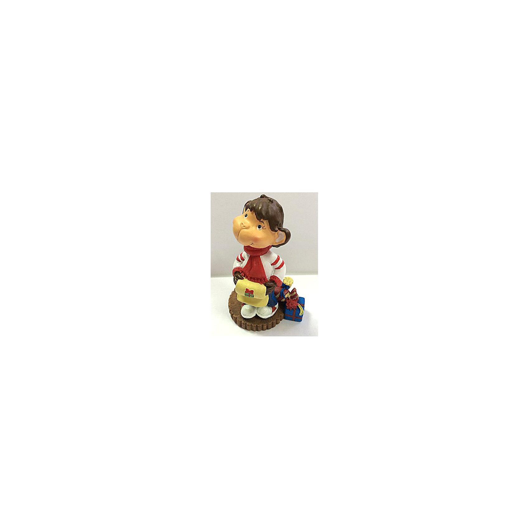 Декоративная обезьянка С подаркамиДекоративная обезьянка С подарками, Феникс-Презент, прекрасно дополнит Ваш новогодний интерьер и станет приятным сувениром для родных и друзей. Озорная обезьянка одета в теплый белый свитер и шарфик, рядом нарядные коробочки с подарками. Обезьяна является символом Нового 2016 года, забавная фигурка принесет Вам радость и удачу и поднимет настроение.  <br><br>Дополнительная информация:<br><br>- Материал: полирезина. <br>- Размер фигурки: 5,2 х 4,8 см.<br><br>Декоративную обезьянку С подарками, Феникс-Презент, можно купить в нашем интернет-магазине.<br><br>Ширина мм: 65<br>Глубина мм: 60<br>Высота мм: 90<br>Вес г: 100<br>Возраст от месяцев: 36<br>Возраст до месяцев: 2147483647<br>Пол: Унисекс<br>Возраст: Детский<br>SKU: 4276514