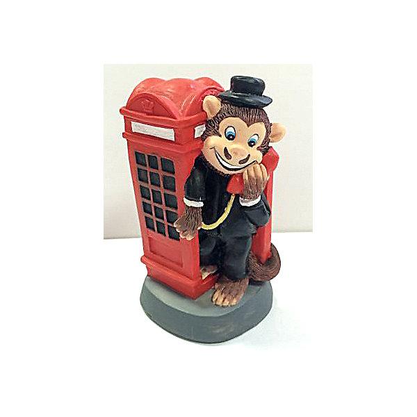 Декоративная обезьяна Англичанин в телефонной будкеНовогодние сувениры<br>Декоративная обезьянка Англичанин в телефонной будке, Феникс-Презент, прекрасно дополнит Ваш новогодний интерьер и станет приятным сувениром для родных и друзей. Веселая обезьянка представлена в образе классического англичанина, разговаривающего по телефону в красной телефонной будке. Обезьяна является символом Нового 2016 года, забавная фигурка принесет Вам радость и удачу и поднимет настроение.  <br><br>Дополнительная информация:<br><br>- Материал: полирезина. <br>- Размер фигурки: 4,8 х 4,5 х 8 см.<br><br>Декоративную обезьянку Англичанин в телефонной будке, Феникс-Презент,  можно купить в нашем интернет-магазине.<br><br>Ширина мм: 60<br>Глубина мм: 60<br>Высота мм: 90<br>Вес г: 100<br>Возраст от месяцев: 36<br>Возраст до месяцев: 2147483647<br>Пол: Унисекс<br>Возраст: Детский<br>SKU: 4276522