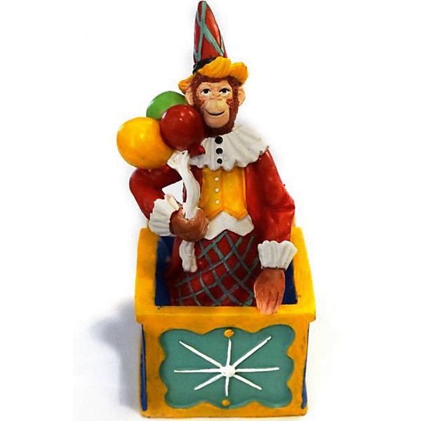 Декоративная обезьяна Клоун в ящикеНовогодние сувениры<br>Декоративная обезьянка Клоун в ящике, Феникс-Презент, прекрасно дополнит Ваш новогодний интерьер и станет приятным сувениром для родных и друзей. Озорная обезьянка представлена в образе клоуна в ярком цирковом наряде. Обезьяна является символом Нового 2016 года, забавная фигурка принесет Вам радость и удачу и поднимет настроение.  <br><br>Дополнительная информация:<br><br>- Материал: полирезина. <br>- Размер фигурки: 7 х 5,5 х 12,5 см.<br><br>Декоративную обезьянку Клоун в ящике, Феникс-Презент,  можно купить в нашем интернет-магазине.<br><br>Ширина мм: 80<br>Глубина мм: 70<br>Высота мм: 140<br>Вес г: 100<br>Возраст от месяцев: 36<br>Возраст до месяцев: 2147483647<br>Пол: Унисекс<br>Возраст: Детский<br>SKU: 4276525