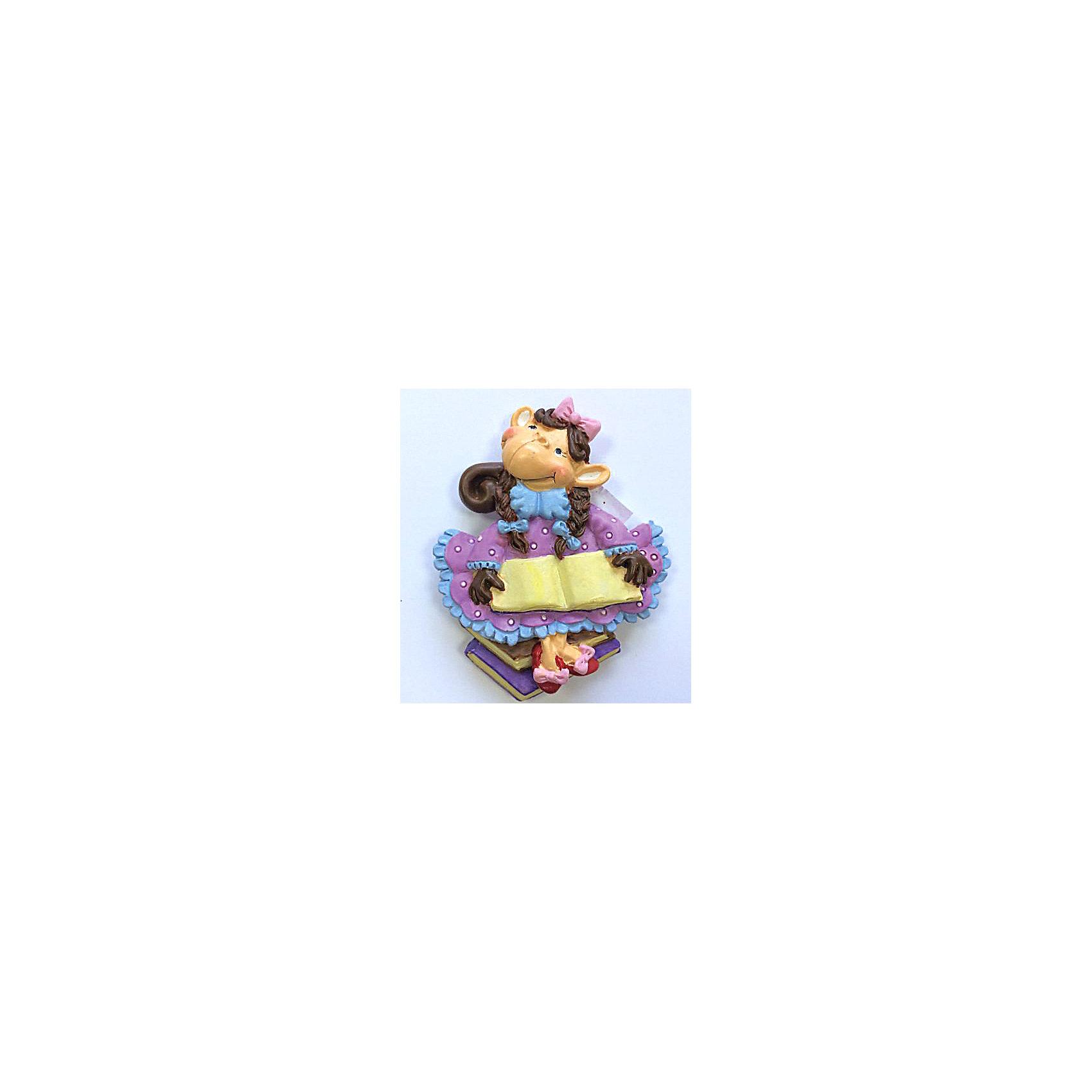 Декоративная обезьяна С книгойНовинки Новый Год<br>Декоративная обезьянка С книгой, Феникс-презент, прекрасно дополнит Ваш новогодний интерьер и станет приятным сувениром для родных и друзей. Очаровательная обезьянка в розовом платье и туфельках с бантиками держит в лапках большую книгу, сзади у фигурки имеется магнитное крепление. Обезьяна является символом Нового 2016 года, забавный сувенир принесет Вам радость и удачу и поднимет настроение.  <br><br>Дополнительная информация:<br><br>- Материал: полирезина. <br>- Размер фигурки: 5,8 х 7 х 1,5 см.<br><br>Декоративную обезьянку С книгой, Феникс-презент,  можно купить в нашем интернет-магазине.<br><br>Ширина мм: 70<br>Глубина мм: 80<br>Высота мм: 25<br>Вес г: 100<br>Возраст от месяцев: 36<br>Возраст до месяцев: 2147483647<br>Пол: Унисекс<br>Возраст: Детский<br>SKU: 4276533
