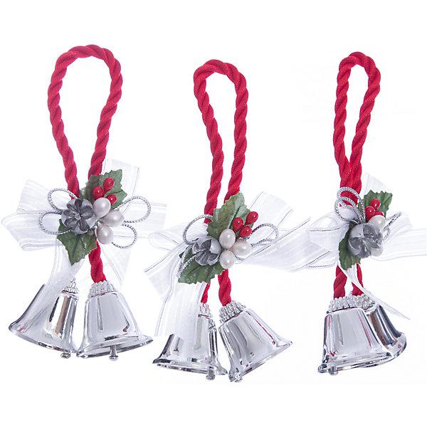 Украшение Серебряные колокольчики с белым бантикомЁлочные игрушки<br>Украшение Серебряные колокольчики с белым бантиком, Феникс-Презент, замечательно дополнит наряд Вашей новогодней елки и поможет создать праздничную волшебную атмосферу. Украшение выполнено в виде связки из двух серебряных колокольчиков и декорировано нарядным бантиком, бусинками и ягодками, оно будет чудесно смотреться на елке и радовать детей и взрослых. <br><br>Дополнительная информация:<br><br>- Материал: металл, полиэстер.<br>- Размер украшения: 10,2 см.<br>- Размер упаковки: 2 x 13 x 19 см.<br>- Вес: 43 гр.<br><br>Украшение Серебряные колокольчики с белым бантиком, Феникс-Презент, можно купить в нашем интернет-магазине.<br>Ширина мм: 20; Глубина мм: 130; Высота мм: 190; Вес г: 43; Возраст от месяцев: 36; Возраст до месяцев: 2147483647; Пол: Унисекс; Возраст: Детский; SKU: 4276555;