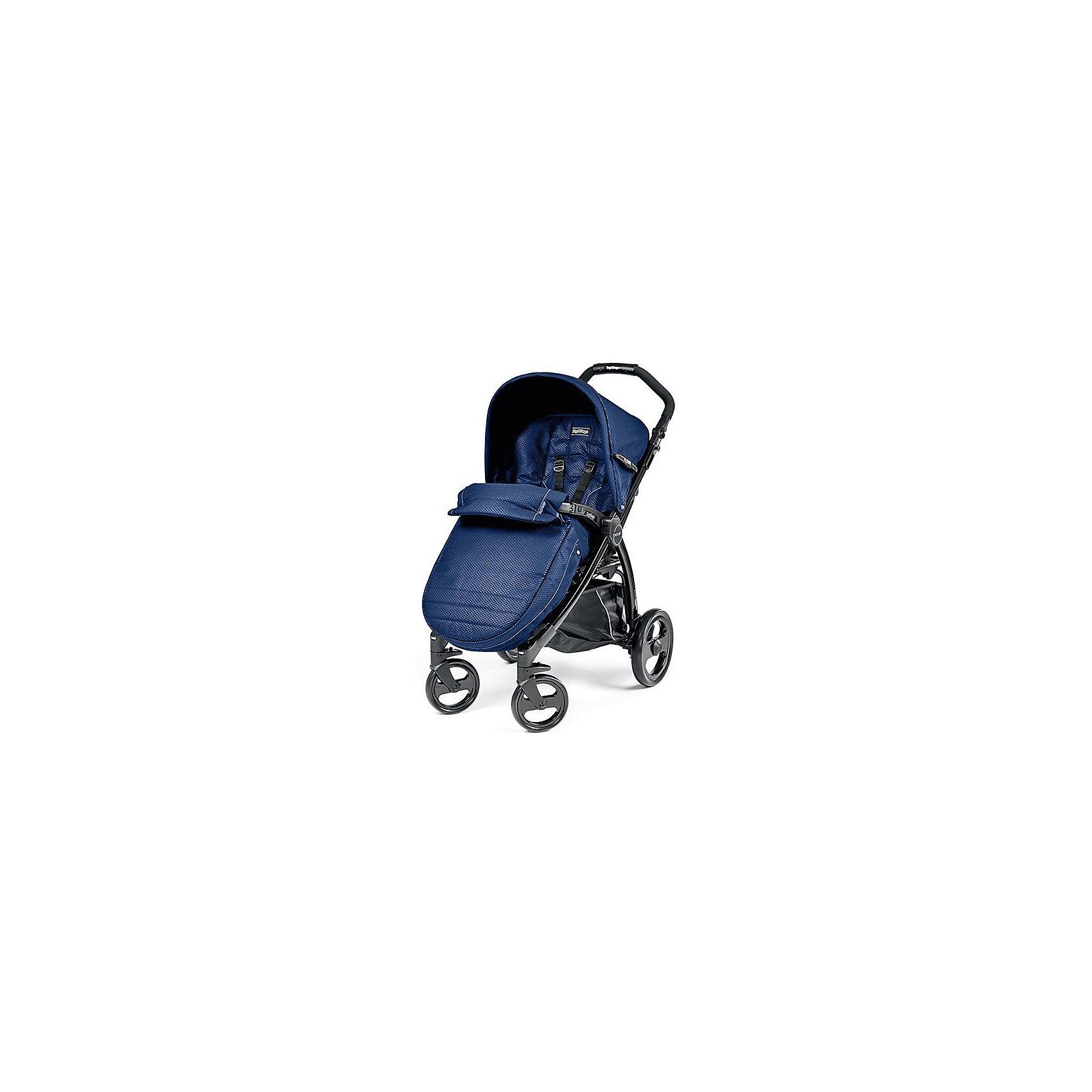 Прогулочная коляска Book Completo, Peg-Perego, Mod Bluette, синийПрогулочная коляска Book Completo (Бук Комплето), Peg-Perego (Пег-Перего) – это стильная и практичная прогулочная коляска, которая понравится родителям, ценящим активный образ жизни. Коляска легко управляется даже одной рукой, благодаря передним поворотным колесам, а большие по диаметру задние колеса обеспечивают хорошую проходимость по бездорожью и снегу. Коляска имеет широкое, длинное и комфортабельное сиденье, а возможность удлинения спального места за счет подножки и регулируемый наклон спинки позволяет малышу комфортно спать и отдыхать во время прогулки. Для детей, которые уже могут самостоятельно сидеть, в комплекте идет теплый чехол на ножки, который согреет малыша в холодную погоду. В такой коляске малышу будет комфортно в любую погоду и в любых дорожных условиях!<br><br>Характеристики:<br>-Тип колес: 4 одинарных ненадувных колеса<br>-Поворотные передние колеса с возможностью фиксации, фиксированные задние колеса<br>-Регулировка эргономичной ручки по высоте<br>-Регулируемая подножка: 2 положения<br>-Регулировка наклона спинки: 4 положения, включая горизонтальное<br>-Для детей до 15 кг<br>-Механизм складывания: книжка<br>-Съемный защитный бампер для защиты от выпадения ребенка<br>-Легкий уход: возможность снять и постирать обивку при температуре до 30 градусов, съемные колеса<br>-Пятиточечные ремни безопасности<br>-Легкая и прочная алюминиевая рама <br>-Малышу будет очень комфортно под капюшоном со встроенной москитной сеткой и прозрачным окошком. Специальная петелька для крепления подвесной игрушки. Легким движением руки Вы можно расстегнуть молнию и превратить капюшон в солнцезащитный тент<br>-Удобный ножной тормоз: одним движением блокируются оба колеса<br>-Удобная система сложения одной рукой: шасси складывается вместе с прогулочным блоком <br>-Прогулочный блок НЕ реверсивный<br><br>Дополнительная информация:<br>Комплектация: шасси, прогулочный блок с капюшоном, дождевик, корзина для покупок