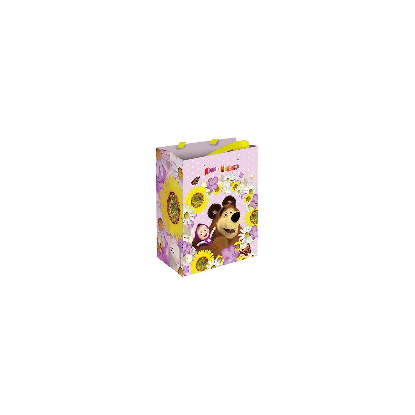 Подарочный пакет «Маша» 23*18*10 смПодарочный пакет «Маша» 23*18*10 см – этот аксессуар станет незаменимым дополнением к выбранному подарку.<br>Яркий подарочный пакет «Маша» с очаровательными героями мультфильма «Маша и Медведь» празднично украсит любой подарок для маленькой девочки и сделает его эффектным и запоминающимся. Для удобной переноски на пакете имеются две ручки из ленты.<br><br>Дополнительная информация:<br><br>- Размер: 23х18х10 см.<br>- Материал: бумага<br><br>Подарочный пакет «Маша» 23*18*10 см можно купить в нашем интернет-магазине.<br><br>Ширина мм: 230<br>Глубина мм: 180<br>Высота мм: 5<br>Вес г: 51<br>Возраст от месяцев: 36<br>Возраст до месяцев: 84<br>Пол: Женский<br>Возраст: Детский<br>SKU: 4278389