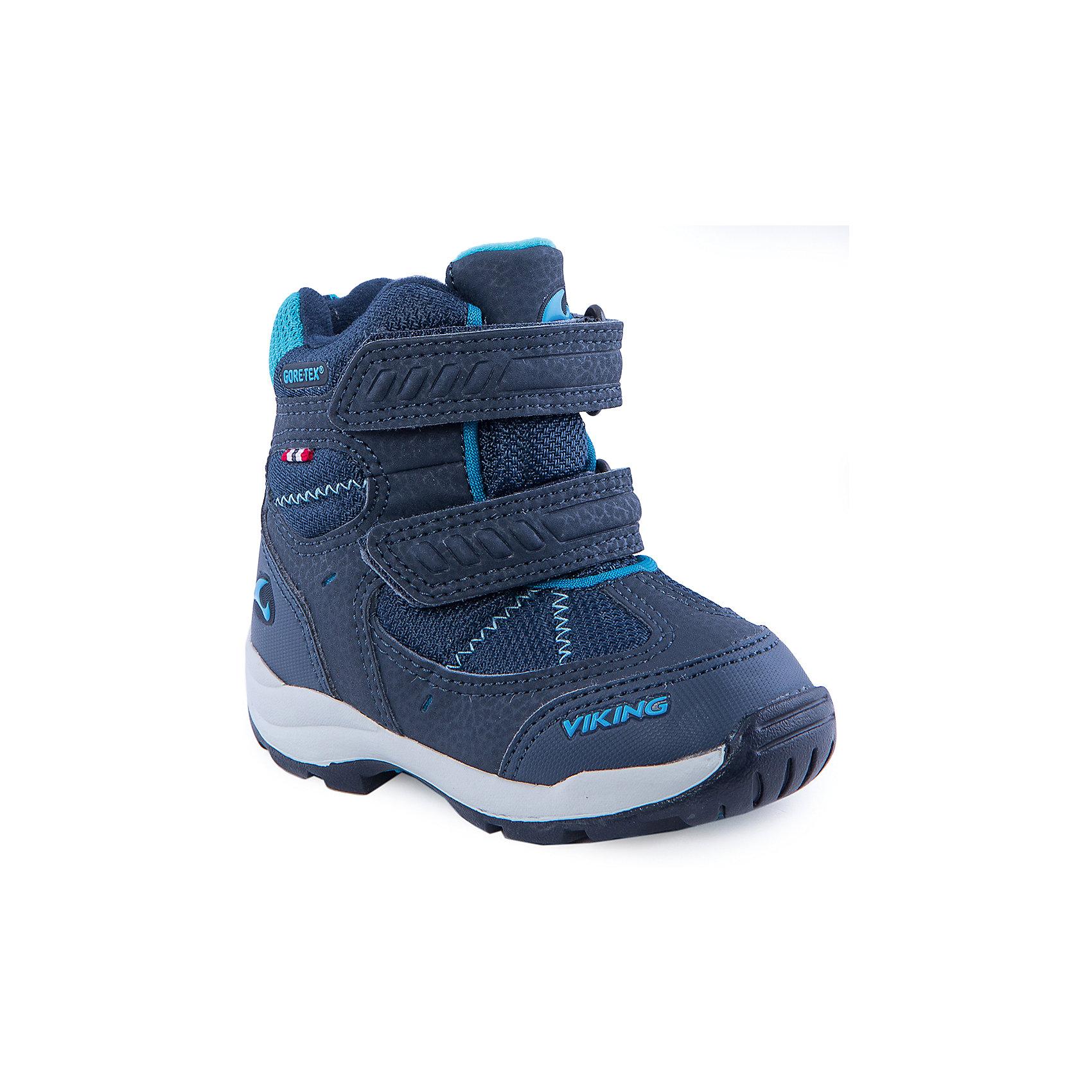 Ботинки для мальчика VIKINGБотинки<br>Великолепные ботинки марки Viking (Викинг) созданы из натуральных материалов. Из-за своего небольшого веса модель очень удобна для носки. Несмотря на лёгкость, в ботинках хорошо сохраняется тепло, а резиновая подошва обеспечивает хорошее устойчивость сцепление. Модель дополнена застежкой на липучке. Цвет синий.<br>Состав: Материал верха: 60% текстиль, 40% искусственная кожа<br>Материал подклада: мембранная подкладка GORE-TEX<br><br>Ширина мм: 262<br>Глубина мм: 176<br>Высота мм: 97<br>Вес г: 427<br>Цвет: синий<br>Возраст от месяцев: 9<br>Возраст до месяцев: 12<br>Пол: Мужской<br>Возраст: Детский<br>Размер: 20,21,29,28,26,24,23,30,27,25,22<br>SKU: 4279072