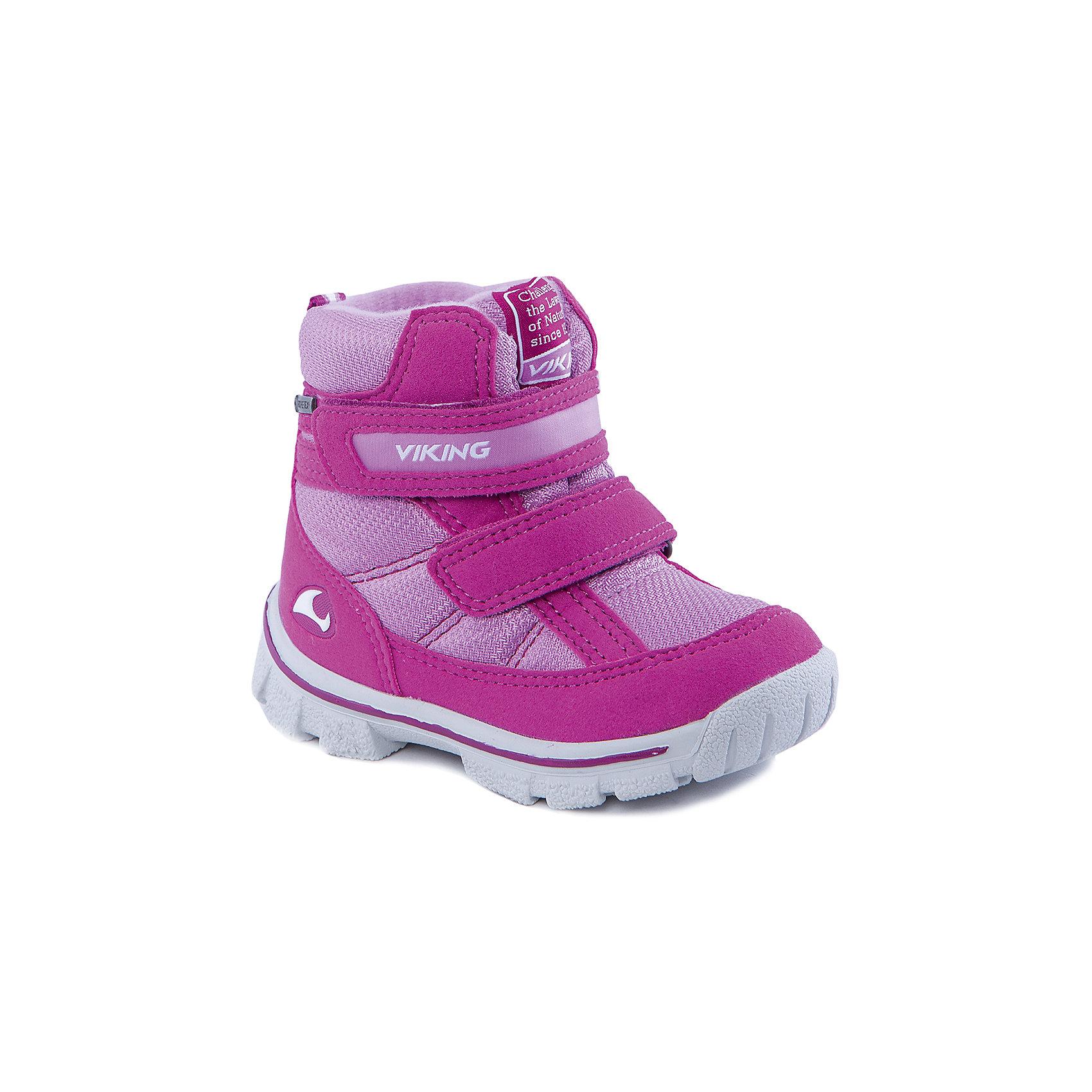 Ботинки для девочки VIKINGБотинки для девочки от популярной марки VIKING <br><br>Модные зимние ботинки сделаны по уникальной технологии. <br>Производитель обуви VIKING разработал специальную  высокотехнологичную мембрану GORE-TEX. Она добавляется в подкладку обуви и позволяют ногам оставаться сухими и теплыми. Мембрана активно отводит влагу наружу, и не дает жидкости проникать внутрь. Мембрана GORE-TEX не создает препятствий для воздуха, обеспечивая комфортные условия для детских ножек.<br><br>Отличительные особенности модели:<br><br>- цвет: розовый;<br>- гибкая нескользящая подошва;<br>- утепленная стелька;<br>- небольшой вес;<br>- усиленный носок и задник;<br>- эргономичная форма;<br>- мембрана GORE-TEX;<br>- специальная колодка для поддержания правильного положения стопы;<br>- соединенный с ботинком язычок, не дающий снегу попасть внутрь;<br>- удобный супинатор;<br>- застежки-липучки.<br><br>Дополнительная информация:<br><br>- Температурный режим: от - 30° С  до -0° С.<br><br>- Состав:<br><br>материал верха: синтетический материал, текстиль<br>материал подкладки: 80% шерсть, 20% полиэстер, мембрана GORE-TEX<br>подошва: резина<br><br>Ботинки для девочки VIKING (Викинг) можно купить в нашем магазине.<br><br>Ширина мм: 262<br>Глубина мм: 176<br>Высота мм: 97<br>Вес г: 427<br>Цвет: розовый<br>Возраст от месяцев: 21<br>Возраст до месяцев: 24<br>Пол: Женский<br>Возраст: Детский<br>Размер: 24,27,25,22,20,21,23,26<br>SKU: 4279109