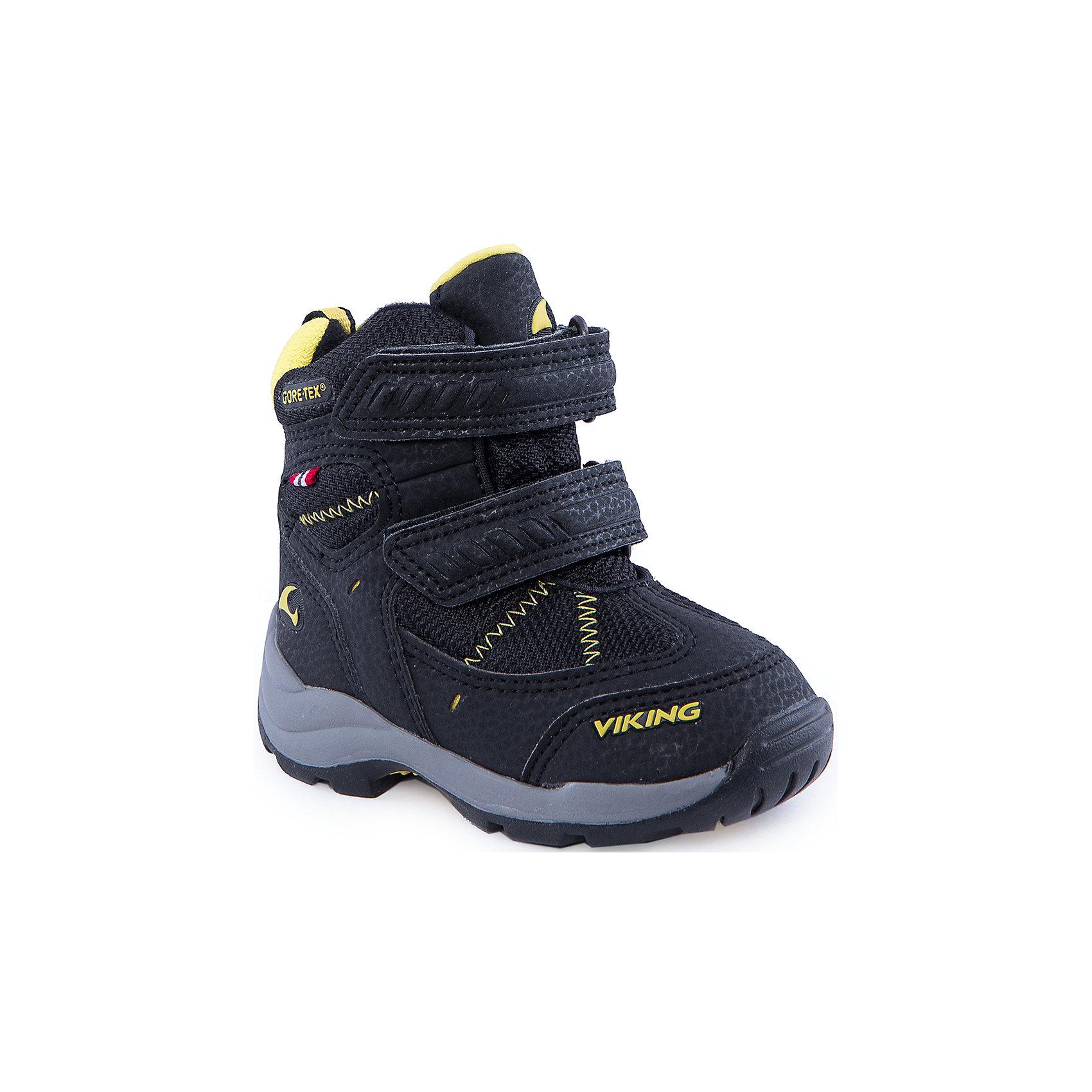 Ботинки для мальчика VIKINGЭта обувь подарит ребёнку максимальное тепло и комфорт в зимний день. Лёгкие и прочные, ботинки позволят ребёнку играть в любые, самые активные игры. Удобная система липучек гарантирует возможность быстро одеть и зафиксировать обувь точно по ноге. Мембрана GORE-TEX® обеспечит водонепроницаемость, позволяя ногам дышать, а шерстяная подкладка подарит тепло. Натуральная резиновая подошва придаст уверенности на скользких поверхностях, а светоотражающие элементы позволят ребёнку оставаться на виду после наступления темноты.<br>Состав: Материал верха: 60% текстиль, 40% искусственная кожа<br>Материал подклада: текстиль<br><br>Ширина мм: 262<br>Глубина мм: 176<br>Высота мм: 97<br>Вес г: 427<br>Цвет: черный<br>Возраст от месяцев: 21<br>Возраст до месяцев: 24<br>Пол: Мужской<br>Возраст: Детский<br>Размер: 29,25,20,22,26,28,21,23,24,27<br>SKU: 4279127