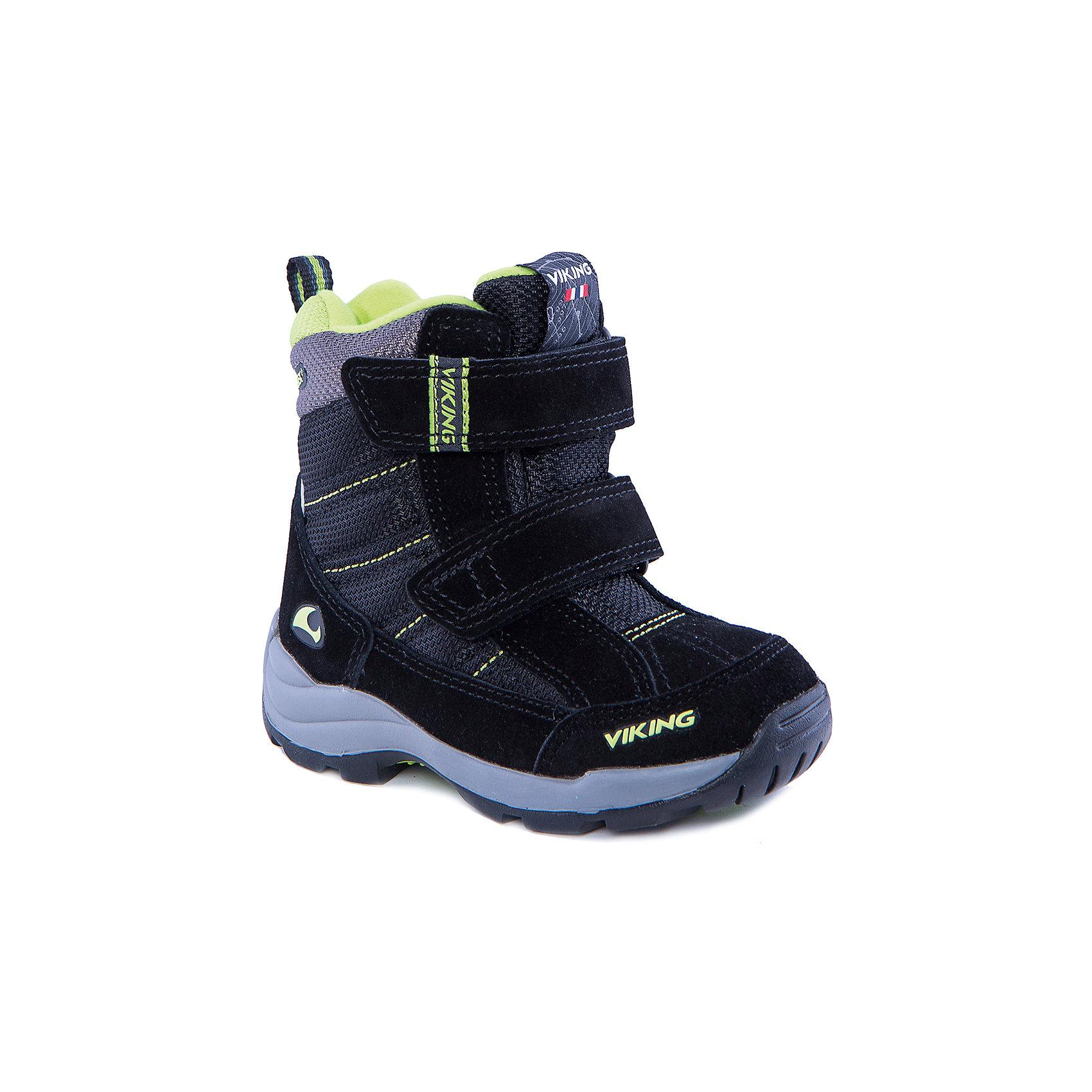 Ботинки для мальчика VIKINGПрочные ботинки с усиленным внешним слоем позволят ребёнку играть на улице в мороз, обеспечив его теплом и удобством. Мембрана GORE-TEX® обеспечит стопроцентную водонепроницаемость, позволяя ногам дышать, а шерстяная подкладка подарит тепло. Система липучек позволит быстро одеть и застегнуть обувь на любой ноге. Натуральная резиновая подошва обеспечит отличное сцепление с поверхностью и амортизацию. Тёплая обувь стильного, спортивного вида!<br>Состав:<br>Материал верха: 60% натуральная замша, 40% текстиль<br>Материал подклада: мембранная подкладка GORE-TEX<br><br>Ширина мм: 262<br>Глубина мм: 176<br>Высота мм: 97<br>Вес г: 427<br>Цвет: черный<br>Возраст от месяцев: 21<br>Возраст до месяцев: 24<br>Пол: Мужской<br>Возраст: Детский<br>Размер: 24,26,29,30,23,27,28,25<br>SKU: 4279170