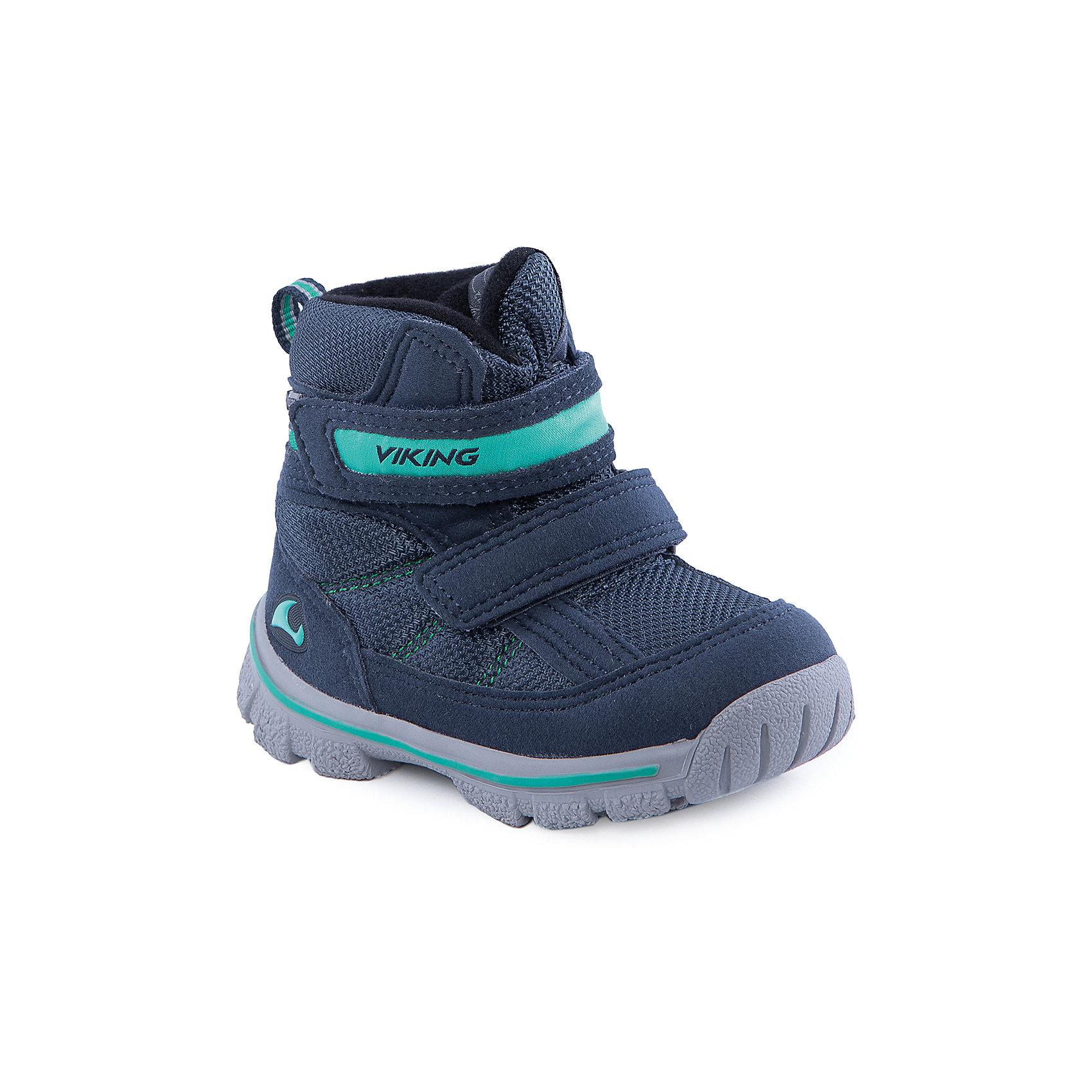 Ботинки для мальчика VIKINGБотинки<br>Удобные, тёплые и прочные ботинки отлично подойдут для детской уличной активности. Обувь создана из жёсткой кожи и высокотехнологичных материалов. Мембрана GORE-TEX® обеспечит стопроцентную водонепроницаемость, позволяя ногам дышать. За счёт системы липучек подойдёт на любую ногу, даже с высоким подъёмом. Подошва из незамерзающей нескользящей резины подарит уверенность и лёгкость при ходьбе и беге.<br>Состав: Материал верха: 60% текстиль, 40% искусственная кожа<br>Материал подклада: мембранная подкладка GORE-TEX<br><br>Ширина мм: 262<br>Глубина мм: 176<br>Высота мм: 97<br>Вес г: 427<br>Цвет: синий<br>Возраст от месяцев: 9<br>Возраст до месяцев: 12<br>Пол: Мужской<br>Возраст: Детский<br>Размер: 20,27,25,23,22,21,26,24<br>SKU: 4279229