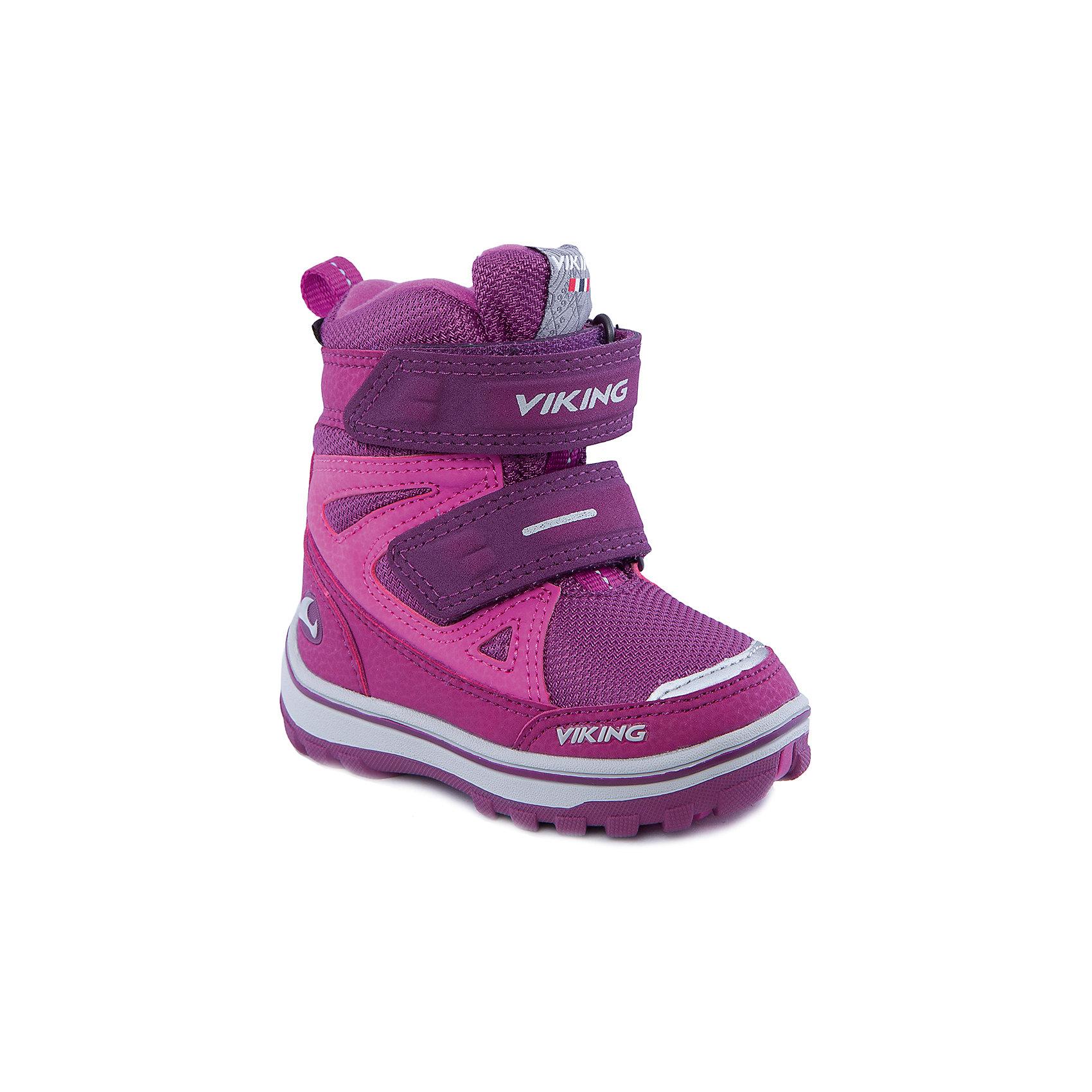 Ботинки для девочки VIKINGОбувь для малышей<br>Ботинки для девочки от популярной марки VIKING <br><br>Модные зимние ботинки сделаны по уникальной технологии. <br>Производитель обуви VIKING разработал специальную  высокотехнологичную мембрану GORE-TEX. Она добавляется в подкладку обуви и позволяют ногам оставаться сухими и теплыми. Мембрана активно отводит влагу наружу, и не дает жидкости проникать внутрь. Мембрана GORE-TEX не создает препятствий для воздуха, обеспечивая комфортные условия для детских ножек.<br><br>Отличительные особенности модели:<br><br>- цвет: темно-розовый;<br>- гибкая нескользящая подошва;<br>- утепленная стелька;<br>- небольшой вес;<br>- усиленный носок и задник;<br>- эргономичная форма;<br>- мембрана GORE-TEX;<br>- специальная колодка для поддержания правильного положения стопы;<br>- соединенный с ботинком язычок, не дающий снегу попасть внутрь;<br>- удобный супинатор;<br>- застежки-липучки.<br><br>Дополнительная информация:<br><br>- Температурный режим: от - 30° С  до -0° С.<br><br>- Состав:<br><br>материал верха: синтетический материал, текстиль<br>материал подкладки: 80% шерсть, 20% полиэстер, мембрана GORE-TEX<br>подошва: резина<br><br>Ботинки для девочки VIKING (Викинг) можно купить в нашем магазине.<br><br>Ширина мм: 262<br>Глубина мм: 176<br>Высота мм: 97<br>Вес г: 427<br>Цвет: фиолетовый<br>Возраст от месяцев: 12<br>Возраст до месяцев: 15<br>Пол: Женский<br>Возраст: Детский<br>Размер: 21,29,28,27,25,23,22,20,26,24<br>SKU: 4279276