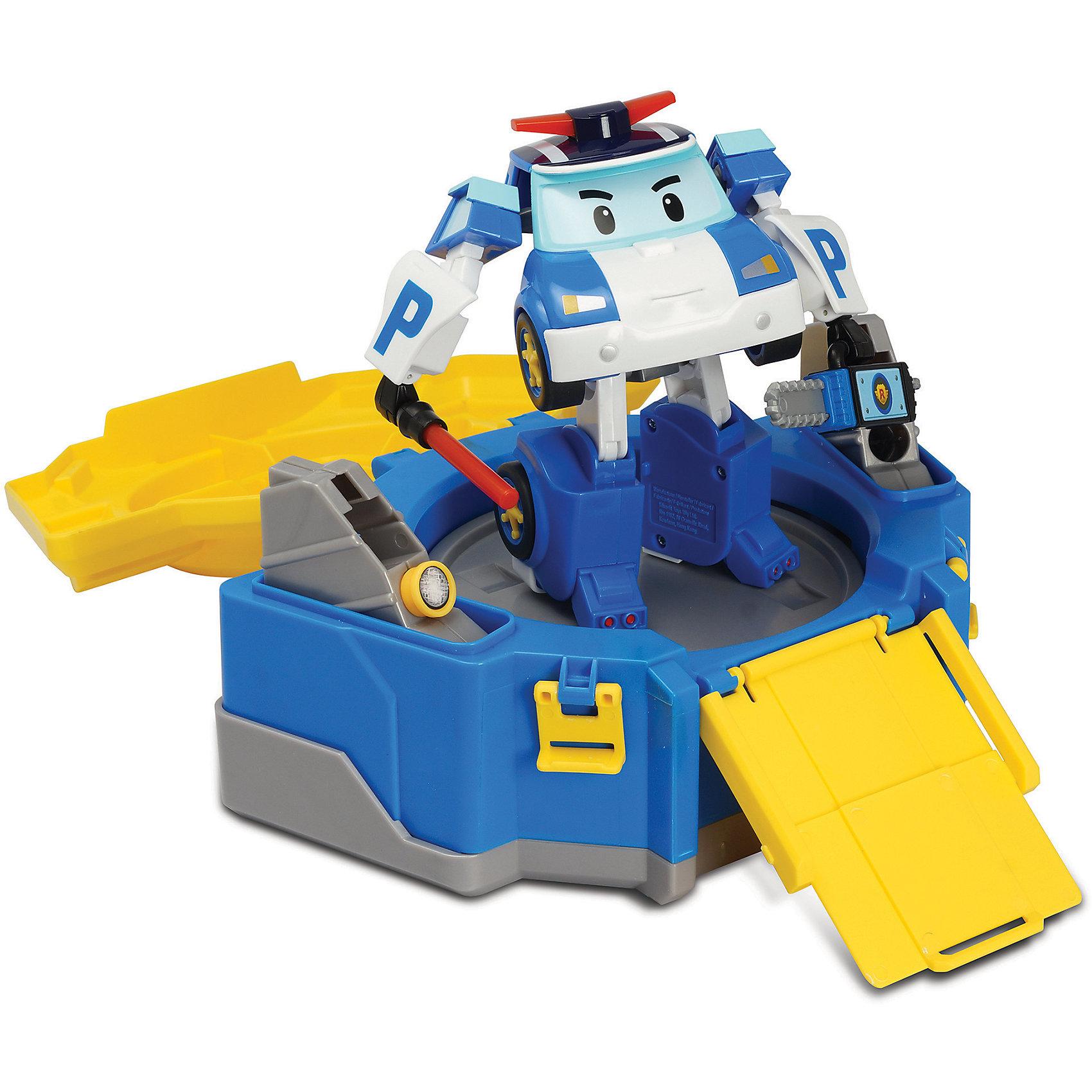 Кейс с гаражом и  трансформером Робокар Поли, 12 смПарковки и гаражи<br>Кейс с гаражом и  трансформером Робокар Поли, 12 см по мотивам полюбившегося мультсериала «Робокар Поли» станет изюминкой в коллекции игрушек ребенка. После открытия кейса автоматический лифт поднимает Робокара Поли на платформу, с которой удобно наблюдать за окружающим порядком Брумстауне. Кейс можно использовать в качестве гаража с пандусом, по которому Поли может заехать в свой полицейский участок и отдохнуть, просмотреть полученные вызовы и составить план работы на следующий день.<br><br>Характеристики:<br>-Развивает: воображение, пространственное мышление, мелкую моторику, речь, фантазию<br>-Игрушка выполнена из высококачественного пластика, с аккуратно обработанными краями, использованные красители не токсичны и гипоаллергенны<br>-Кейс служит для хранения и переноски Робокара в гости, на прогулку<br>-Машина-спасатель легко трансформируется в робота<br><br>Комплектация: машинка-трансформер Поли, кейс-гараж, инструменты (жезл, фонарик, дрель, бензопила)<br><br>Дополнительная информация:<br>-Материалы: пластик, металл<br>-Размеры в упаковке: 36х14х21 см<br>-Вес в упаковке: 900 г<br>-Размер Робокара: 12 см<br>-Размер кейса: 15 см<br><br>Кейс с гаражом и  трансформером Робокар Поли, 12 см можно купить в нашем магазине.<br><br>Ширина мм: 360<br>Глубина мм: 140<br>Высота мм: 210<br>Вес г: 900<br>Возраст от месяцев: 36<br>Возраст до месяцев: 84<br>Пол: Унисекс<br>Возраст: Детский<br>SKU: 4281693
