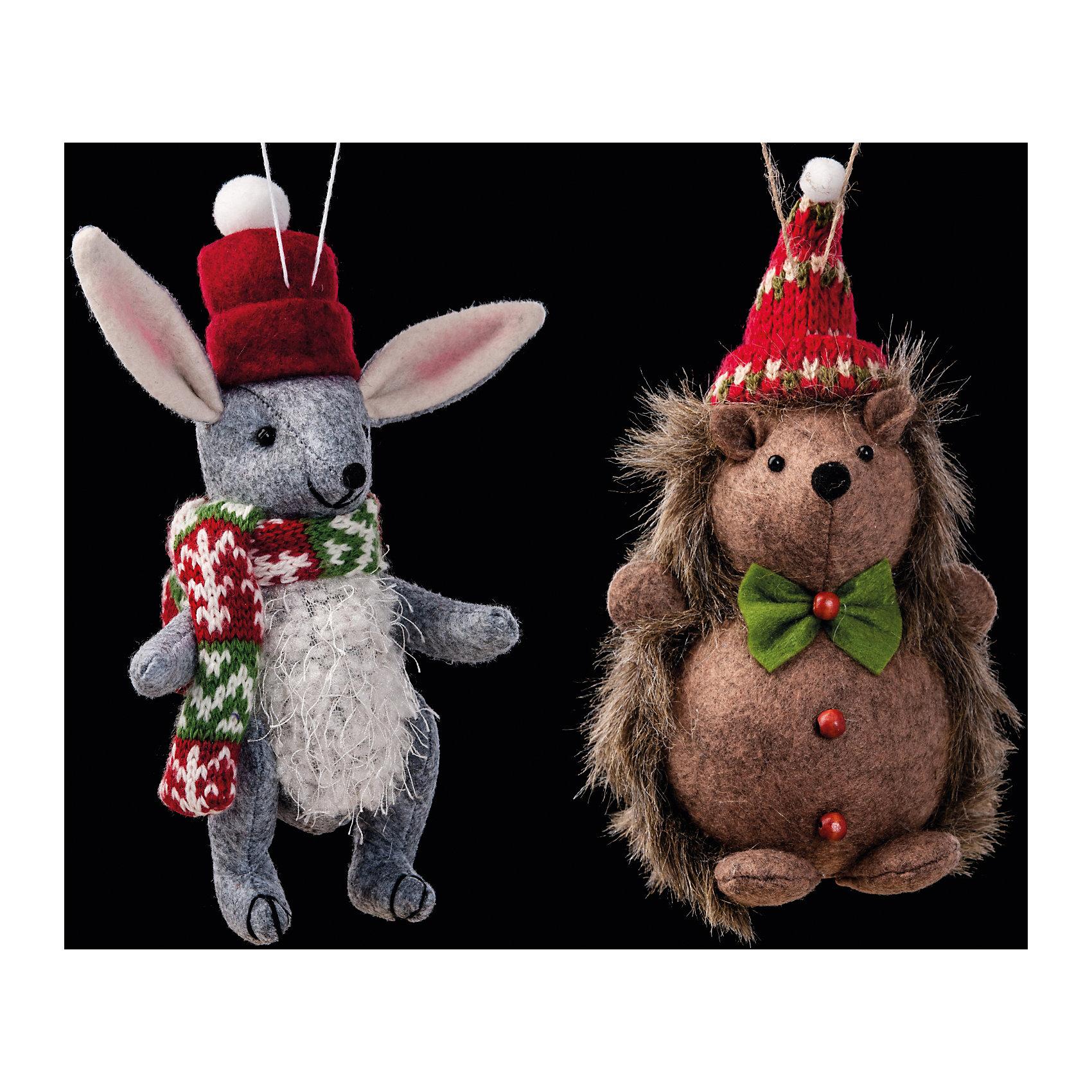 Украшение Праздник в лесу в ассортиментеУкрашение Праздник в лесу в ассортименте замечательно подходит для украшения любого интерьера в преддверии Нового Года и Рождества! Игрушка выполнена из текстиля в двух вариантах: серый зайчик в шарфике или ежик с бабочкой. Обе зверушки выглядят мило и только представьте, как здорово эта игрушка будет смотреться сквозь пушистые ветки новогодней елочки!<br><br>Дополнительная информация:<br>-Материалы: текстиль<br>-Размер в упаковке: 10х7,5х19 см<br>-Вес в упаковке: 53 г<br>-Размер: 19 см<br>-В ассортименте: ежик или зайчик (Внимание! Заранее выбрать невозможно, при заказе нескольких возможно получение одинаковых)<br><br>Украшение Праздник в лесу в ассортименте можно купить в нашем магазине.<br><br>Ширина мм: 100<br>Глубина мм: 75<br>Высота мм: 190<br>Вес г: 53<br>Возраст от месяцев: 84<br>Возраст до месяцев: 2147483647<br>Пол: Унисекс<br>Возраст: Детский<br>SKU: 4286689