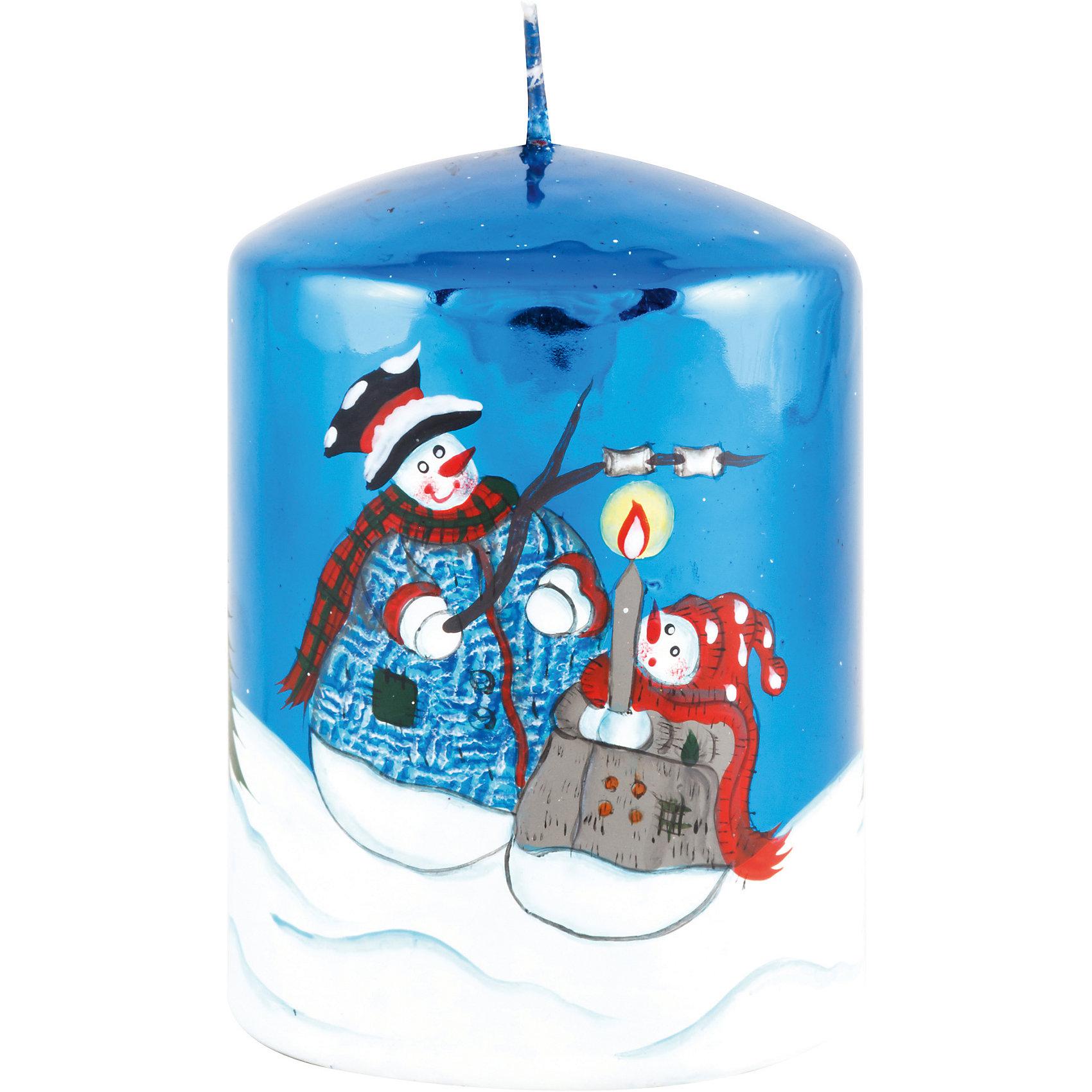 Синяя глянцевая свеча Новый годНовинки Новый Год<br>Глянцевая свеча Новый год, Волшебная страна, станет замечательным украшением Вашего новогоднего интерьера и приятным сувениром для родных и друзей. Свеча ярко-синего цвета имеет блестящее глянцевое покрытие и украшена изображениями забавных снеговиков.<br>Симпатичная свеча с привлекательным дизайном будет создавать атмосферу уюта и волшебных новогодних праздников. <br><br>Дополнительная информация:<br><br>- Цвет: синий.<br>- Материал: парафин.<br>- Размер: 7,3 х 7,3 х 10,2 см.<br>- Вес: 0,39 кг. <br><br>Синюю глянцевую свечу Новый год, Волшебная страна, можно купить в нашем интернет-магазине.<br><br>Ширина мм: 70<br>Глубина мм: 70<br>Высота мм: 110<br>Вес г: 390<br>Возраст от месяцев: 36<br>Возраст до месяцев: 2147483647<br>Пол: Унисекс<br>Возраст: Детский<br>SKU: 4288623