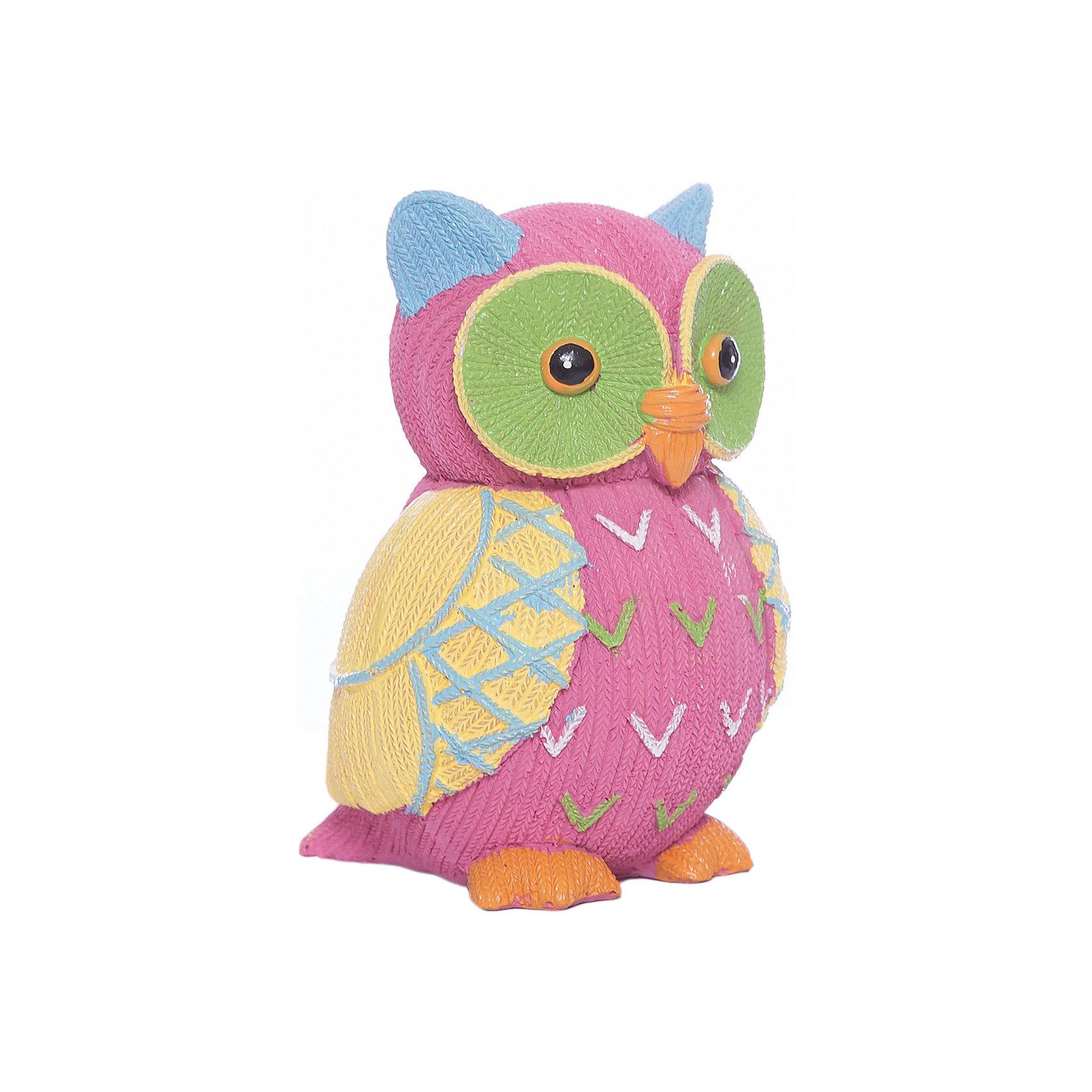 Розовая копилка СоваНовинки для детской<br>Розовая копилка Сова выполнена из полирезины с рельефом, напоминающим вязание. Яркая копилка станет прекрасным подарком на любой праздник. <br><br>Дополнительная информация:<br><br>- Материал: полирезина.<br>- Размер: 9,5х8,5х13,5 см.<br>- Цвет: розовый. <br>- На дне расположен клапан, через который можно достать деньги. <br><br>Розовую копилку Сова можно купить в нашем магазине.<br><br>Ширина мм: 100<br>Глубина мм: 140<br>Высота мм: 140<br>Вес г: 208<br>Возраст от месяцев: 36<br>Возраст до месяцев: 2147483647<br>Пол: Унисекс<br>Возраст: Детский<br>SKU: 4290304