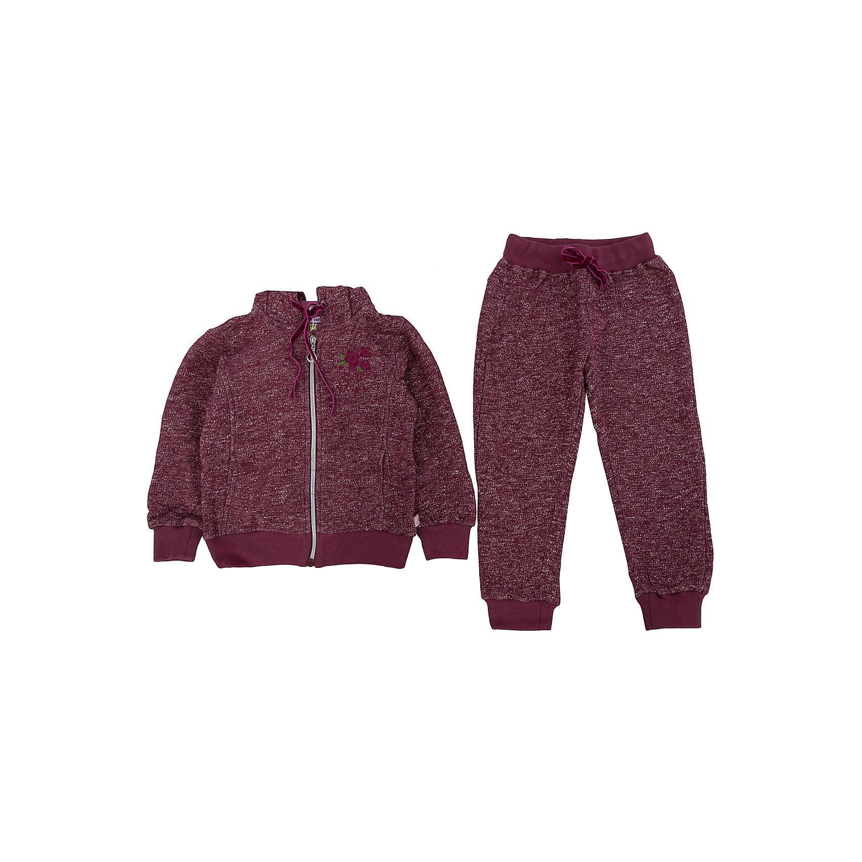 Спортивный костюм для девочки Sweet BerryСпортивный костюм для девочки, состоящий из толстовки и брюк. Толстовка с капюшоном, спереди удобная застежка на молнию. Брюки прямого кроя на эластичном поясе, дополнительно регулируются шнурками <br>Состав: <br>80% хлопок, 20% полиэстер<br><br>Ширина мм: 247<br>Глубина мм: 16<br>Высота мм: 140<br>Вес г: 225<br>Цвет: бордовый<br>Возраст от месяцев: 36<br>Возраст до месяцев: 48<br>Пол: Женский<br>Возраст: Детский<br>Размер: 104,128,110,116,98,122<br>SKU: 4291431