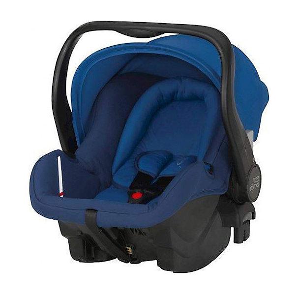 Автокресло Britax Romer Primo, 0-13 кг, Ocean BlueГруппа 0+  (до 13 кг)<br>Автокресло PRIMO Ocean Blue создано специально для родителей, которые заботятся о комфорте и безопасности ребенка. Автокресло предназначено для детей с рождения и весом до 13 кг. Кресло легко устанавливается как в автомобиль, так и в коляски с системой Click&amp;Go. Для безопасности малыша кресло оборудовано 3-точечными ремнями безопасности с мягкими накладками и регулируемой длиной, глубокими боковинами с мягкими бортами на случай удара сбоку и солнцезащитным капюшоном. Для комфорта ребенка в автокресле предусмотрены мягкий вкладыш для новорожденного, состоящий из мягкого подголовника и подушки под спину, воздухопроницаемые ткани чехла. Такому автокреслу смело можно доверить безопасность малыша!<br>Дополнительная информация:<br>-установка против хода движения <br>-фиксация ребенка внутренними 3-точечными ремнями безопасности<br>-крепление кресла штатными 3-точечными ремнями безопасности или системы Primo Base<br>-регулируемый съемный солнцезащитный капюшон<br>-удобная ручка для 3 положений: переноска, кормление ребенка, установка вне автомобиля<br>Материал: металл, текстиль, пластик<br>Цвет: синий<br>Размеры 53,5х44х62,5 см<br>Вес: 4 кг<br>Автокресло PRIMO Ocean Blue вы можете купить в нашем интернет-магазине.<br>Ширина мм: 740; Глубина мм: 350; Высота мм: 440; Вес г: 11700; Возраст от месяцев: 0; Возраст до месяцев: 12; Пол: Мужской; Возраст: Детский; SKU: 4292285;