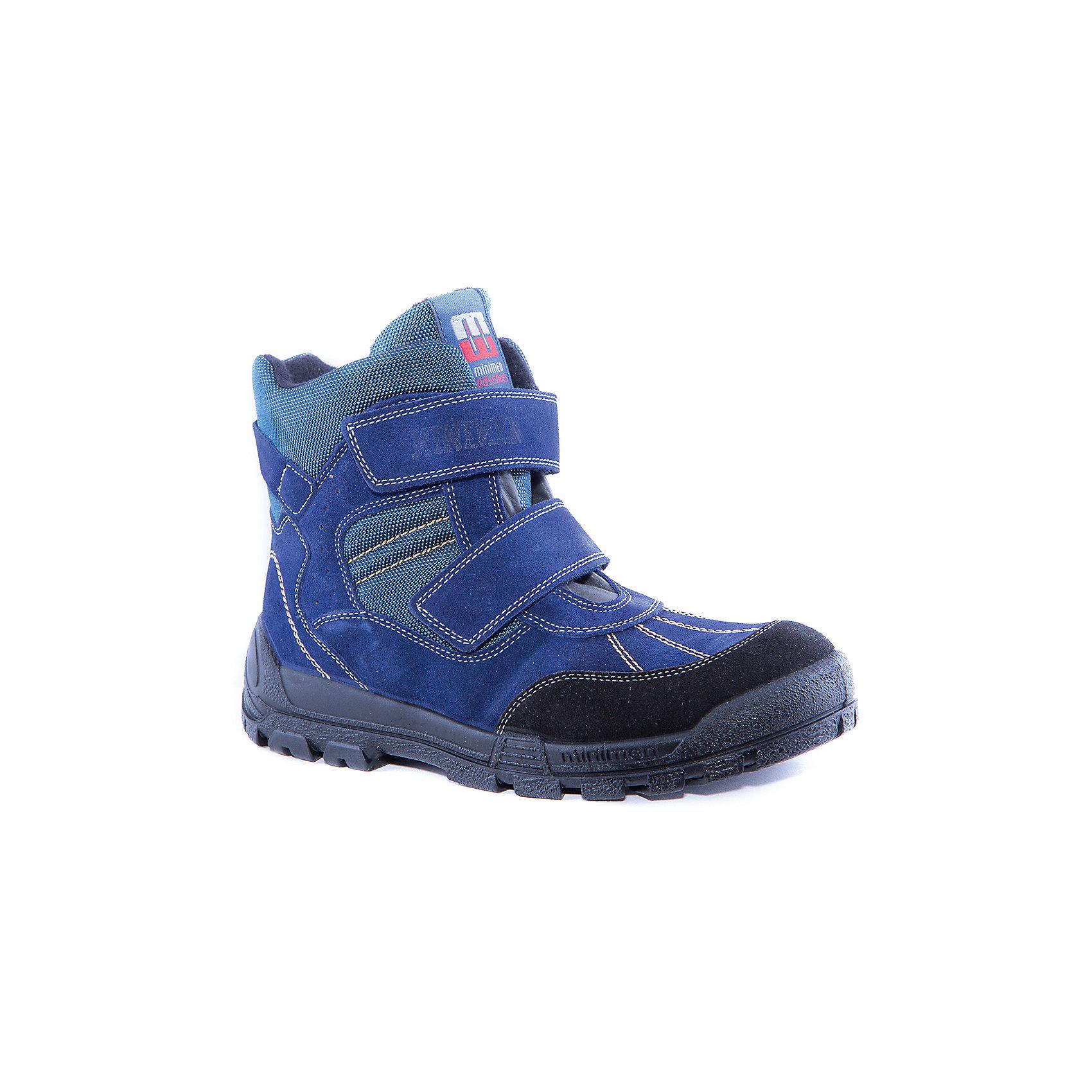 Сапоги  для мальчика MinimenСапоги для мальчика от известного бренда Minimen<br><br>Модные невысокие сапоги Minimen созданы для ношения в межсезонье и начинающиеся холода. Их форма тщательно проработана, поэтому детским ножкам в такой обуви тепло и комфортно. Качественные материалы позволяют сделать изделия износостойкими и удобными.<br><br>При создании этой модели использована мембрана SympaTex. Она добавляется в подкладку обуви и позволяют ногам оставаться сухими и теплыми. Мембрана активно отводит влагу наружу, и не дает жидкости проникать внутрь, а также  не создает препятствий для воздуха, обеспечивая комфортные условия для детских ножек.<br><br>Отличительные особенности модели:<br><br>- цвет: синий;<br>- мембрана SympaTex;<br>- гибкая нескользящая подошва;<br>- усиленный носок и задник;<br>- эргономичная форма;<br>- удобная колодка;<br>- шерстяная подкладка;<br>- натуральная кожа;<br>- застежки-липучки.<br><br>Дополнительная информация:<br><br>- Температурный режим: от - 20° С  до +5° С.<br><br>- Состав:<br><br>материал верха: 100% натуральная кожа<br>материал подкладки: 100% шерсть<br>подошва: ТЭП<br><br>Сапоги для мальчика Minimen (Минимен) можно купить в нашем магазине.<br><br>Ширина мм: 257<br>Глубина мм: 180<br>Высота мм: 130<br>Вес г: 420<br>Цвет: синий<br>Возраст от месяцев: 120<br>Возраст до месяцев: 132<br>Пол: Мужской<br>Возраст: Детский<br>Размер: 34,30,36,35,33,32,31<br>SKU: 4295634
