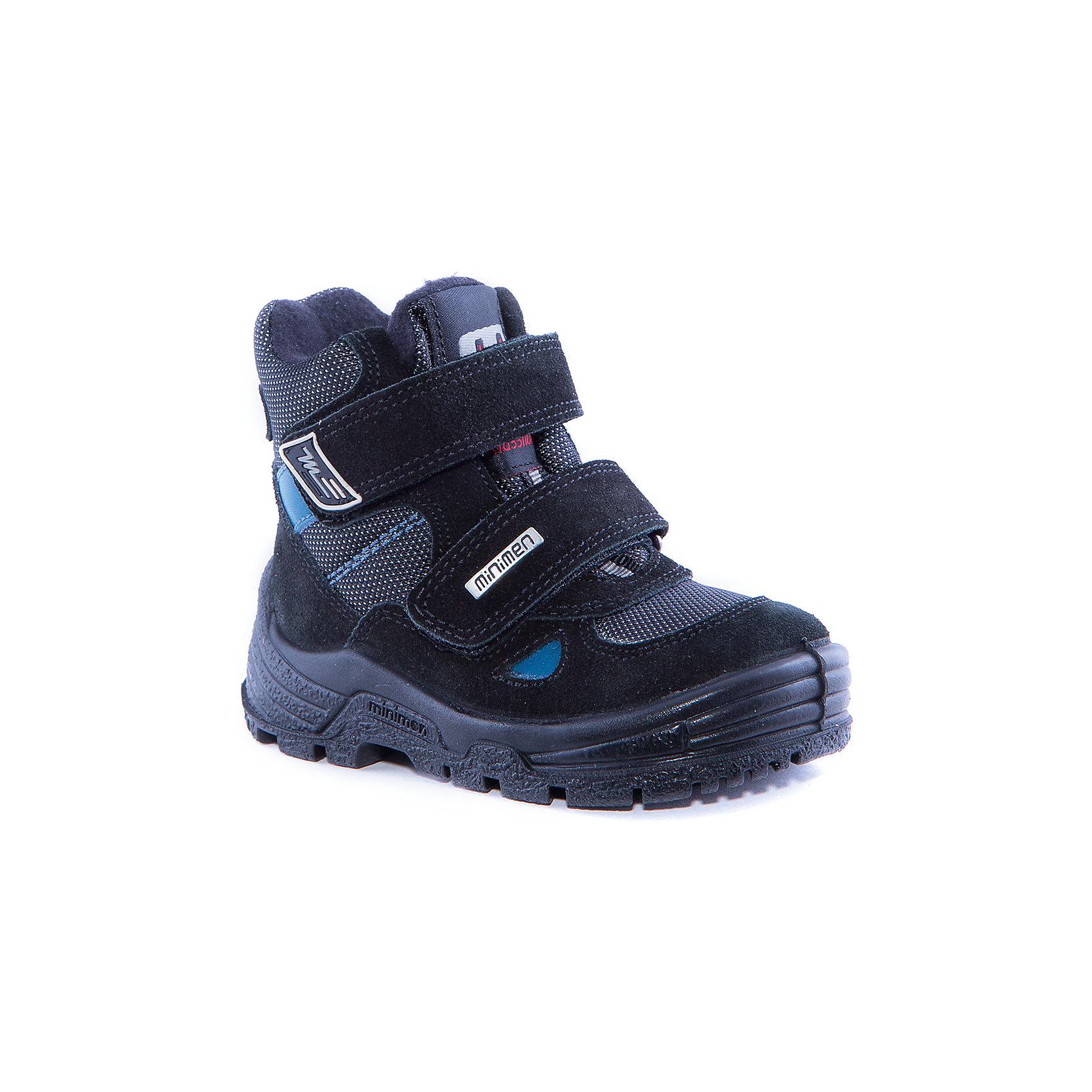 Ботинки для мальчика MinimenБотинки<br>Полусапоги для мальчика от известного бренда Minimen<br><br>Черные сапоги Minimen созданы для ношения в межсезонье и начинающиеся холода. Их форма тщательно проработана, поэтому детским ножкам в такой обуви тепло и комфортно. Качественные материалы позволяют сделать изделия износостойкими и удобными.<br><br>При создании этой модели использована мембрана SympaTex. Она добавляется в подкладку обуви и позволяют ногам оставаться сухими и теплыми. Мембрана активно отводит влагу наружу, и не дает жидкости проникать внутрь, а также  не создает препятствий для воздуха, обеспечивая комфортные условия для детских ножек.<br><br>Отличительные особенности модели:<br><br>- цвет: черный;<br>- мембрана SympaTex;<br>- гибкая нескользящая подошва;<br>- усиленный носок и задник;<br>- эргономичная форма;<br>- удобная колодка;<br>- шерстяная подкладка;<br>- натуральная кожа;<br>- застежки-липучки.<br><br>Дополнительная информация:<br><br>- Температурный режим: от - 20° С  до +5° С.<br><br>- Состав:<br><br>материал верха: 100% натуральная кожа<br>материал подкладки: 100% шерсть<br>подошва: ТЭП<br><br>Полусапоги для мальчика Minimen (Минимен) можно купить в нашем магазине.<br><br>Ширина мм: 257<br>Глубина мм: 180<br>Высота мм: 130<br>Вес г: 420<br>Цвет: черный<br>Возраст от месяцев: 18<br>Возраст до месяцев: 21<br>Пол: Мужской<br>Возраст: Детский<br>Размер: 25,22,29,28,27,26,24,21,23<br>SKU: 4295721