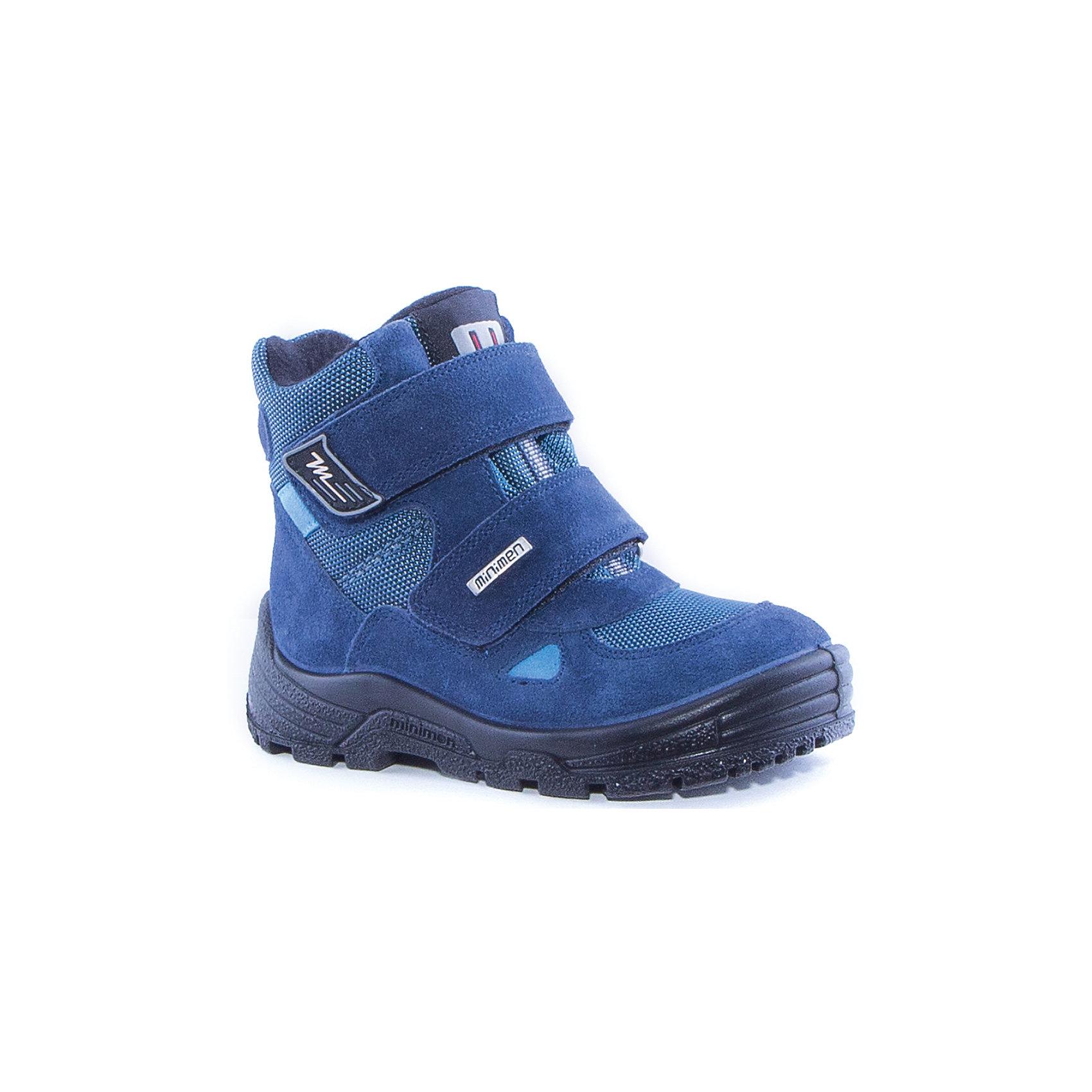 Ботинки для мальчика MinimenБотинки<br>Полусапоги для мальчика от известного бренда Minimen<br><br>Теплые полусапоги Minimen созданы для ношения в межсезонье и начинающиеся холода. Их форма тщательно проработана, поэтому детским ножкам в такой обуви тепло и комфортно. Качественные материалы позволяют сделать изделия износостойкими и удобными.<br><br>При создании этой модели использована мембрана SympaTex. Она добавляется в подкладку обуви и позволяют ногам оставаться сухими и теплыми. Мембрана активно отводит влагу наружу, и не дает жидкости проникать внутрь, а также  не создает препятствий для воздуха, обеспечивая комфортные условия для детских ножек.<br><br>Отличительные особенности модели:<br><br>- цвет: синий;<br>- мембрана SympaTex;<br>- гибкая нескользящая подошва;<br>- усиленный носок и задник;<br>- эргономичная форма;<br>- удобная колодка;<br>- шерстяная подкладка;<br>- натуральная кожа;<br>- застежки-липучки.<br><br>Дополнительная информация:<br><br>- Температурный режим: от - 20° С  до +5° С.<br><br>- Состав:<br><br>материал верха: 100% натуральная кожа<br>материал подкладки: 100% шерсть<br>подошва: ТЭП<br><br>Полусапоги для мальчика Minimen (Минимен) можно купить в нашем магазине.<br><br>Ширина мм: 257<br>Глубина мм: 180<br>Высота мм: 130<br>Вес г: 420<br>Цвет: синий<br>Возраст от месяцев: 24<br>Возраст до месяцев: 24<br>Пол: Мужской<br>Возраст: Детский<br>Размер: 25,26,29,27,28<br>SKU: 4295731