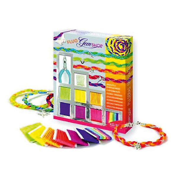 Набор Бразильские браслеты ФлуоНаборы для создания украшений<br>Набор Бразильские браслеты Флуо – это прекрасный набор для детского творчества.<br>Набор Бразильские браслеты Флуо от французского производителя Sentosphere (Сентосфере) – красочный творческий набор для юных модниц, который позволит дополнить летний образ девочки. В наборе девочка найдет множество различных ярких нитей, подвесок и цепочку, с помощью которых ей предлагается придумать своё собственное украшение. Ребенок может делать украшения согласно инструкции или же проявить творческие способности и придумать собственный вариант. Все детали набора изготовлены из высококачественных и гипоаллергенных материалов. Набор продается в яркой красочной коробке и идеально подходит для подарка.<br><br>Дополнительная информация:<br><br>- В наборе: 6 флуорисцентных разноцветных нитей, 1 разноцветный шнурок, 1 серебристая цепочка длиной 1 метр, 5 серебристых подвесок, застежки, детские плоскогубцы, подробная инструкция<br>- Размер упаковки: 19,5 x 2,5 x 24 см.<br>- Вес: 240 гр.<br><br>Набор Бразильские браслеты Флуо можно купить в нашем интернет-магазине.<br><br>Ширина мм: 195<br>Глубина мм: 25<br>Высота мм: 240<br>Вес г: 240<br>Возраст от месяцев: 96<br>Возраст до месяцев: 156<br>Пол: Женский<br>Возраст: Детский<br>SKU: 4305778