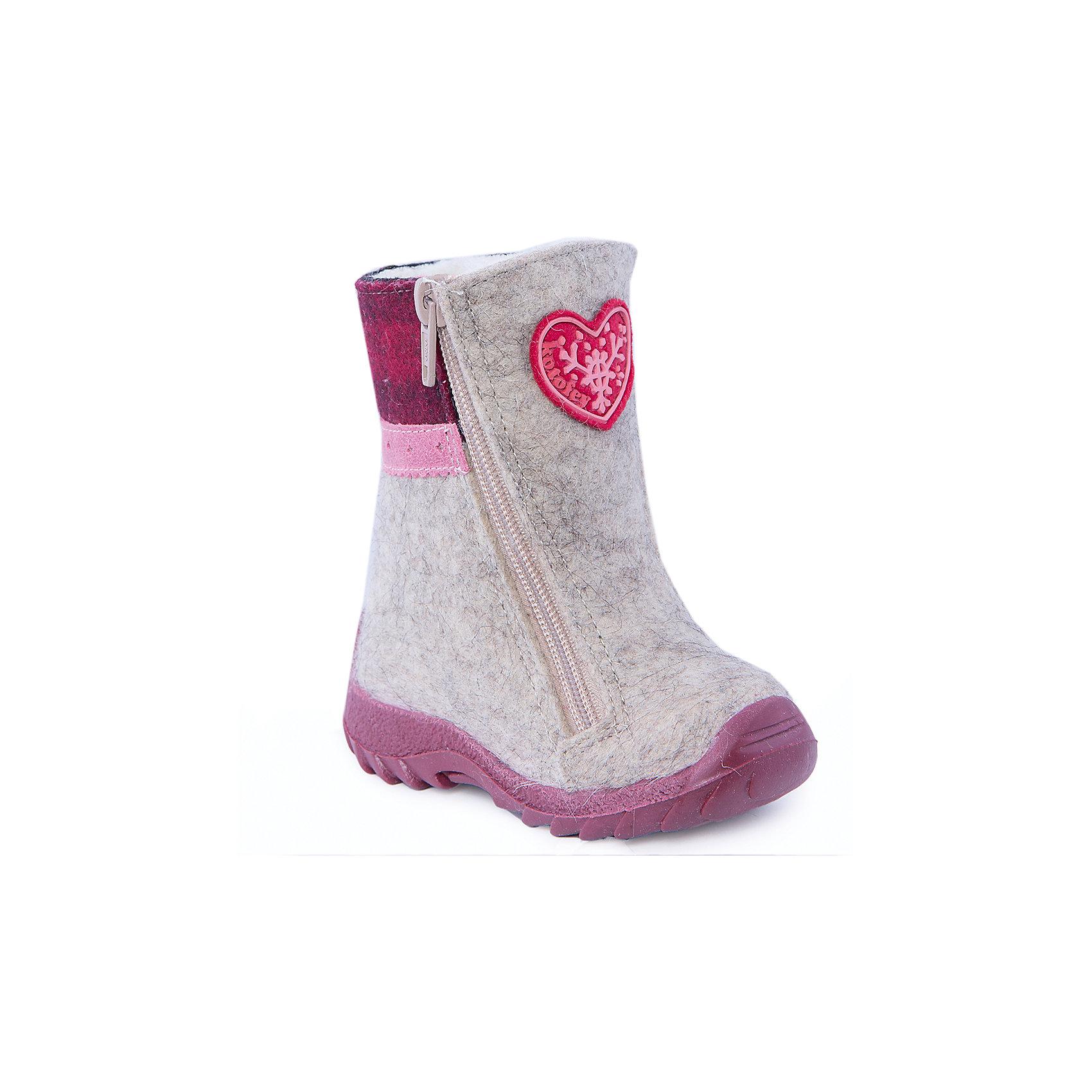 Валенки для девочки КотофейВаленки для девочки  от известного российского бренда Котофей<br><br>Теплые и удобные валенки помогут защитить детские ножки от сырости и холода. Они легко надеваются, комфортно садятся по ноге.<br><br>Особенности модели: <br><br>- цвет - серый;<br>- стильный дизайн;<br>- нашивка в виде сердечка;<br>- защита пятки и пальцев;<br>- удобная колодка;<br>- подкладка утепленная;<br>- вид крепления – клеевой;<br>- амортизирующая подошва;<br>- застежка - молния.<br><br>Дополнительная информация:<br><br>Температурный режим: <br><br>от 0° С до -25° С<br><br>Состав:<br>верх – войлок;<br>подкладка - шерстяной мех;<br>подошва - ТЭП.<br><br>Валенки для девочки Котофей можно купить в нашем магазине.<br><br>Ширина мм: 257<br>Глубина мм: 180<br>Высота мм: 130<br>Вес г: 420<br>Цвет: серый<br>Возраст от месяцев: 12<br>Возраст до месяцев: 15<br>Пол: Женский<br>Возраст: Детский<br>Размер: 21,22,24,23<br>SKU: 4315219