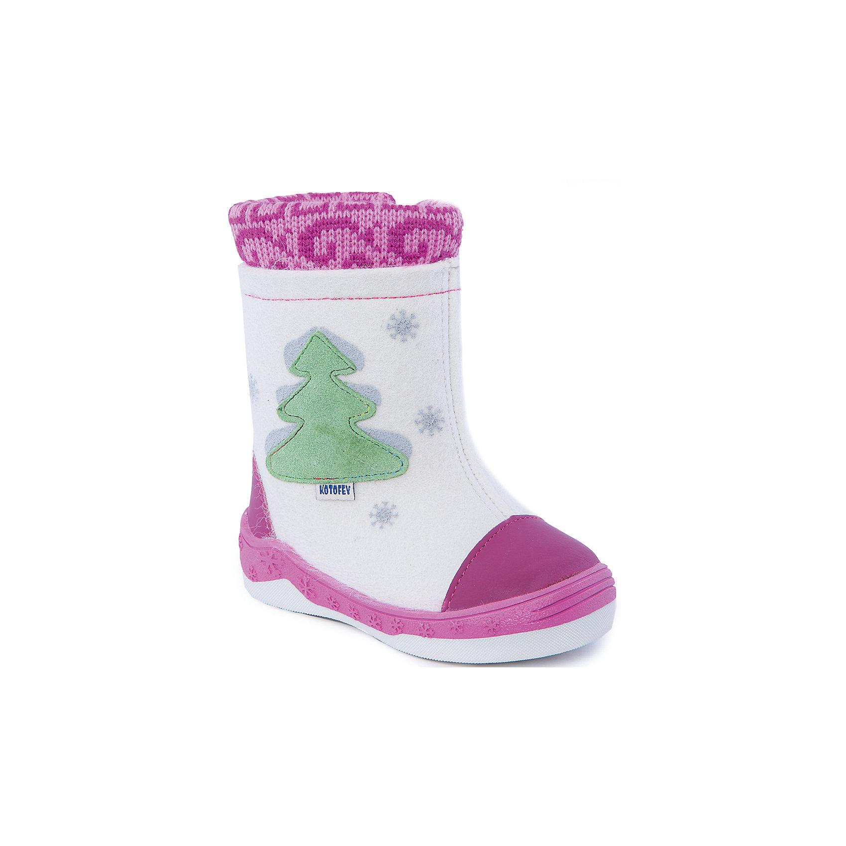 Валенки для девочки КотофейВаленки<br>Валенки для девочки  от известного российского бренда Котофей<br><br>Модные и удобные валенки помогут защитить детские ножки от сырости и холода. Они легко надеваются, комфортно садятся по ноге.<br><br>Особенности модели: <br><br>- цвет - белый, розовый;<br>- аппликация - ёлка;<br>- защита пятки и пальцев;<br>- удобная колодка;<br>- подкладка утепленная;<br>- вид крепления – клеевой;<br>- амортизирующая подошва;<br>- застежка - молния.<br><br>Дополнительная информация:<br><br>Температурный режим: <br><br>от 0° С до -25° С<br><br>Состав:<br>верх – войлок;<br>подкладка - шерстяной мех;<br>подошва - ТЭП.<br><br>Валенки для девочки Котофей можно купить в нашем магазине.<br><br>Ширина мм: 257<br>Глубина мм: 180<br>Высота мм: 130<br>Вес г: 420<br>Цвет: белый<br>Возраст от месяцев: 18<br>Возраст до месяцев: 21<br>Пол: Женский<br>Возраст: Детский<br>Размер: 23,26,25,24<br>SKU: 4315278