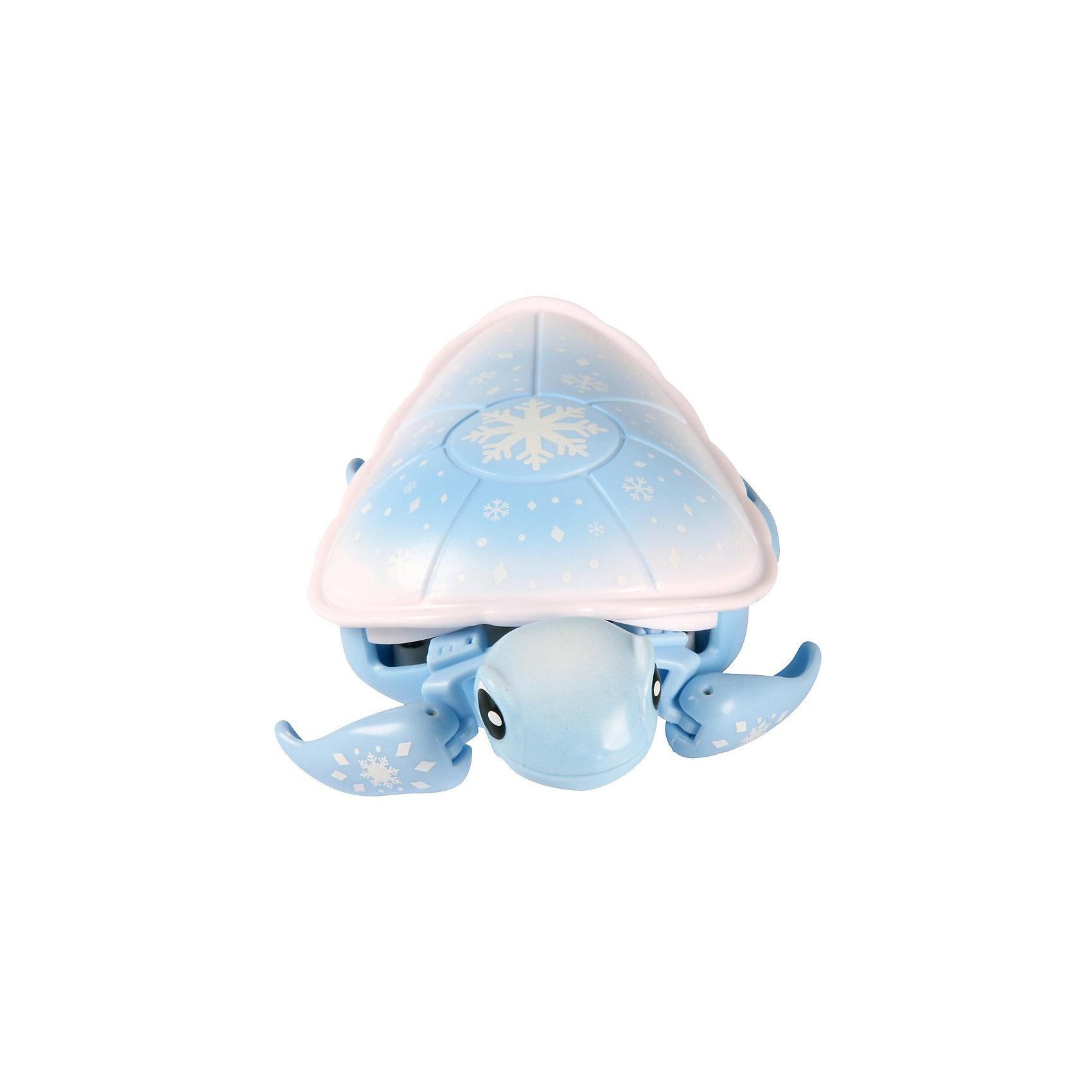 Интерактивная черепашка Powder, Little Live Pets, MooseИнтерактивная черепашка Powder, Little Live Pets, Moose  - оригинальная необычная игрушка, которая вызовет восторг у Вашего ребенка.<br>Интерактивная черепашка Powder от Moose  отлично ползает по суше, а еще лучше плавает в воде. Ребенок спокойно сможет играть с ней во время купания. При движении черепашка забавно передвигает лапками ластовидной формы и шевелит головой словно настоящая. У черепашки Powder голубые лапки, брюшко и голова. Панцирь черепашки, окрашенный в бело-голубой цвет, украшен перламутровыми снежинками разного размера и формы. У черепашки есть своя легенда и привычки. Она готова не вылезать из воды даже в зимние холода! Ну, разве только на поверхность айсберга… Игрушка выполнена из материала абсолютно безопасного для детского здоровья.<br><br>Дополнительная информация:<br><br>- Игрушка рекомендована для детей в возрасте от 5 лет<br>- Размер: 13 х 9 см.<br>- Материал: пластик<br>- Цвет: белый, голубой<br>- Батарейка: 1 типа ААА (в комплект не входит)<br><br>Интерактивную черепашку Powder, Little Live Pets, Moose  можно купить в нашем интернет-магазине.<br><br>Ширина мм: 221<br>Глубина мм: 182<br>Высота мм: 58<br>Вес г: 137<br>Возраст от месяцев: 60<br>Возраст до месяцев: 108<br>Пол: Унисекс<br>Возраст: Детский<br>SKU: 4324815