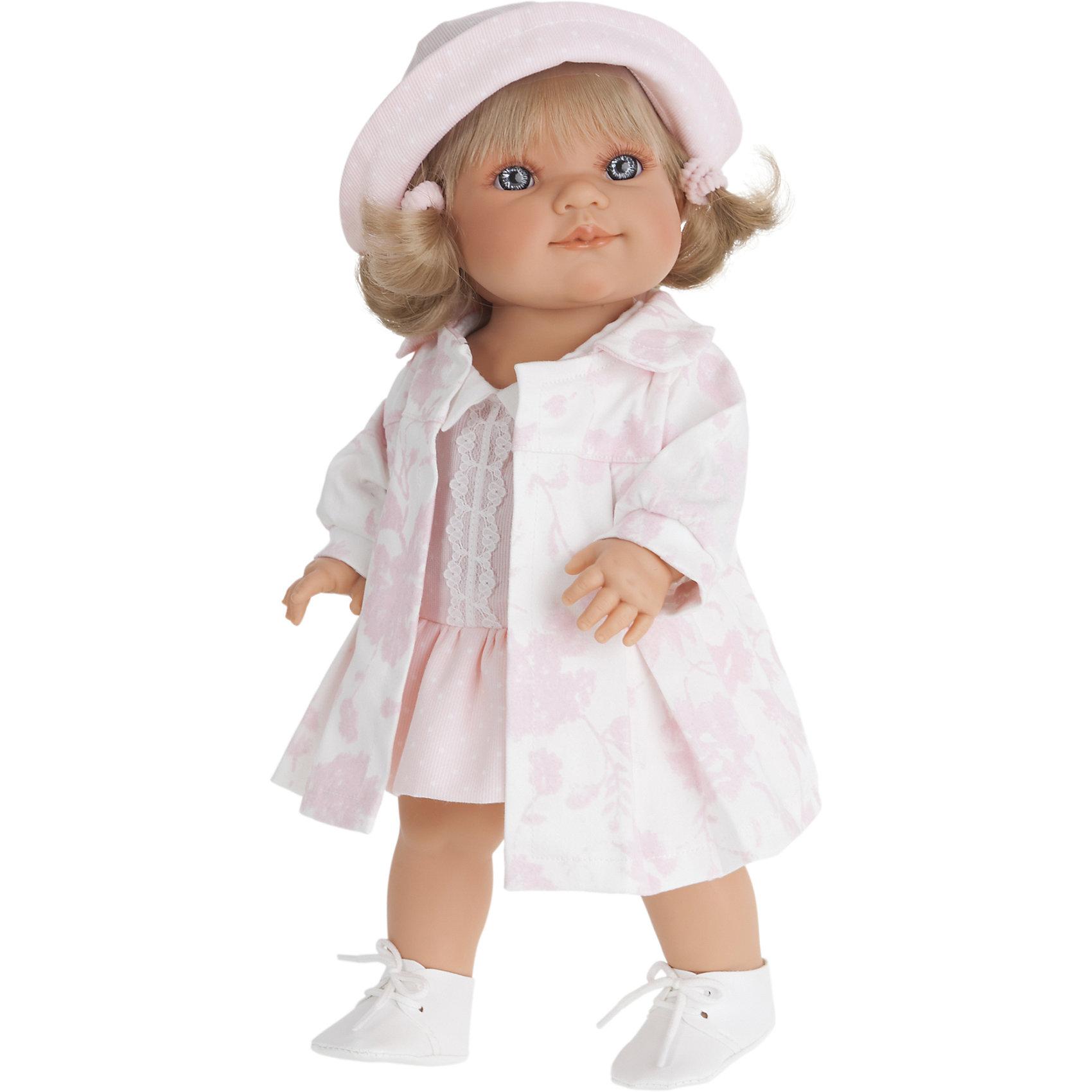 Кукла Ариадна, 38 см, Munecas Antonio JuanКукла Ариадна, 38 см, Munecas Antonio Juan (Мунекас Антонио Хуан) – это высококачественные куклы из Испании, популярные во всем мире.<br>Кукла Ариадна, выглядит совсем как ребенок. Ее серые глаза с пушистыми ресницами и приятная улыбка не оставят вас равнодушными. Вздернутый носик и пухленькие губки добавляют лицу особую выразительность и натуральность. Светлые пепельные волосы Ариадны, завязанные в хвостики и украшенные розовыми резиночками, выглядят как настоящие, их можно расчесывать и заплетать в разнообразные прически. Ариадна выполнена с поразительной детализацией, вплоть до ноготочков и складочек на теле. Тело куклы полностью виниловое, ее можно купать. Руки, ноги и голова подвижны. Глаза не закрываются. Ариадна одета нежно-розовое платьице с кружевом и воротничком, легкий плащик с фактурным цветочным рисунком и розовую панамку. На ногах - белые ботиночки на шнурках. Образы малышей Мунекас разработаны известными европейскими дизайнерами. Они натуралистичны, анатомически точны, копируют настоящих младенцев. Изготовлены из высококачественных материалов не вызывающих аллергических реакций.<br><br>Дополнительная информация:<br><br>- Высота куклы: 38 см.<br>- Материал: текстиль, высококачественный винил<br>- Упаковка: подарочная коробка<br>- Размер упаковки: 24,5х12х44 см.<br>- Вес: 1117 гр.<br><br>Куклу Ариадна, 38 см, Munecas Antonio Juan (Мунекас Антонио Хуан) можно купить в нашем интернет-магазине.<br><br>Ширина мм: 245<br>Глубина мм: 120<br>Высота мм: 440<br>Вес г: 1117<br>Возраст от месяцев: 36<br>Возраст до месяцев: 84<br>Пол: Женский<br>Возраст: Детский<br>SKU: 4347294