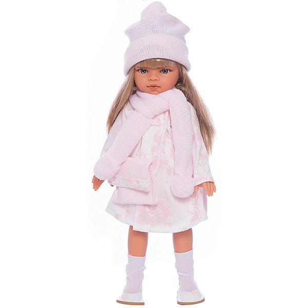 Кукла Эмили, блондинка, 33 см, Munecas Antonio JuanБренды кукол<br>Кукла Эмили, блондинка, 33 см, Munecas Antonio Juan (Мунекас Антонио Хуан) – красивая кукла в осеннем наряде порадует вашу девочку.<br>Очаровательная девочка Эмили - это высококачественная кукла, созданная испанским производителем Мунекас Антонио Хуан. У Эмили грациозная стройная фигура и симпатичное лицо, выполненное с тщательной прорисовкой деталей. Выразительные глазки обрамлены длинными ресницами. Длинные густые шелковистые волосы легко расчесывать и делать различные прически. Руки, ноги и голова куклы подвижны. Глаза не закрываются. Стильный наряд куклы создан испанским дизайнером. Эмили одета в красивое розовое платье, бело-розовый плащ, розовые шапочку и шарф с помпонами. Завершает нежный романтический образ стильная сумочка и белые туфельки с цветочком. Кукла изготовлена из высококачественного винила с добавлением силикона.<br><br>Дополнительная информация:<br><br>- Высота куклы: 33 см.<br>- Материал: текстиль, высококачественный винил, силикон<br>- Упаковка: подарочная коробка<br>- Размер упаковки: 13х17х39 см.<br>- Вес: 750 гр.<br><br>Куклу Эмили, блондинку, 33 см, Munecas Antonio Juan (Мунекас Антонио Хуан) можно купить в нашем интернет-магазине.<br>Ширина мм: 130; Глубина мм: 170; Высота мм: 390; Вес г: 750; Возраст от месяцев: 36; Возраст до месяцев: 84; Пол: Женский; Возраст: Детский; SKU: 4347295;