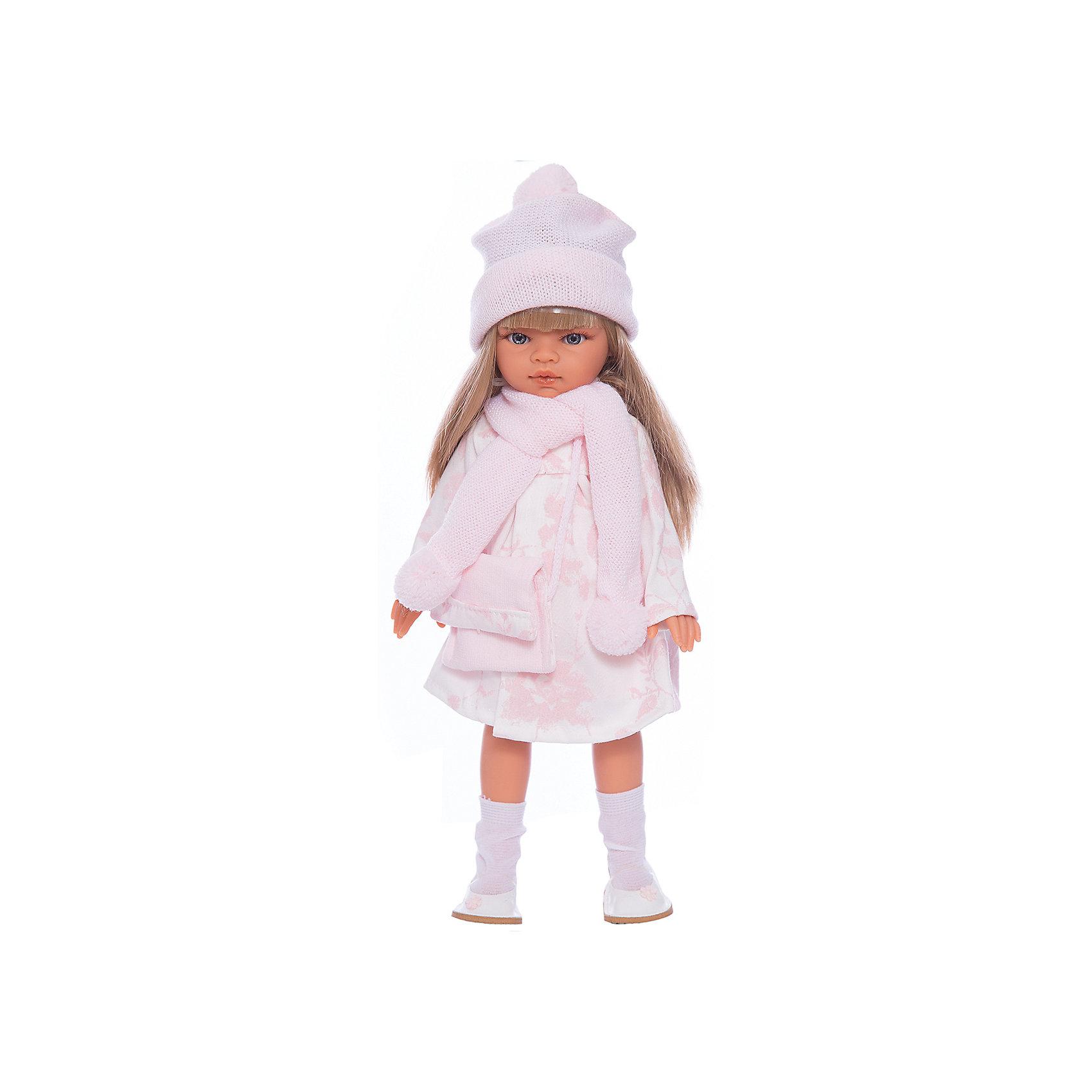 Кукла Эмили, блондинка, 33 см, Munecas Antonio JuanКукла Эмили, блондинка, 33 см, Munecas Antonio Juan (Мунекас Антонио Хуан) – красивая кукла в осеннем наряде порадует вашу девочку.<br>Очаровательная девочка Эмили - это высококачественная кукла, созданная испанским производителем Мунекас Антонио Хуан. У Эмили грациозная стройная фигура и симпатичное лицо, выполненное с тщательной прорисовкой деталей. Выразительные глазки обрамлены длинными ресницами. Длинные густые шелковистые волосы легко расчесывать и делать различные прически. Руки, ноги и голова куклы подвижны. Глаза не закрываются. Стильный наряд куклы создан испанским дизайнером. Эмили одета в красивое розовое платье, бело-розовый плащ, розовые шапочку и шарф с помпонами. Завершает нежный романтический образ стильная сумочка и белые туфельки с цветочком. Кукла изготовлена из высококачественного винила с добавлением силикона.<br><br>Дополнительная информация:<br><br>- Высота куклы: 33 см.<br>- Материал: текстиль, высококачественный винил, силикон<br>- Упаковка: подарочная коробка<br>- Размер упаковки: 13х17х39 см.<br>- Вес: 750 гр.<br><br>Куклу Эмили, блондинку, 33 см, Munecas Antonio Juan (Мунекас Антонио Хуан) можно купить в нашем интернет-магазине.<br><br>Ширина мм: 130<br>Глубина мм: 170<br>Высота мм: 390<br>Вес г: 750<br>Возраст от месяцев: 36<br>Возраст до месяцев: 84<br>Пол: Женский<br>Возраст: Детский<br>SKU: 4347295
