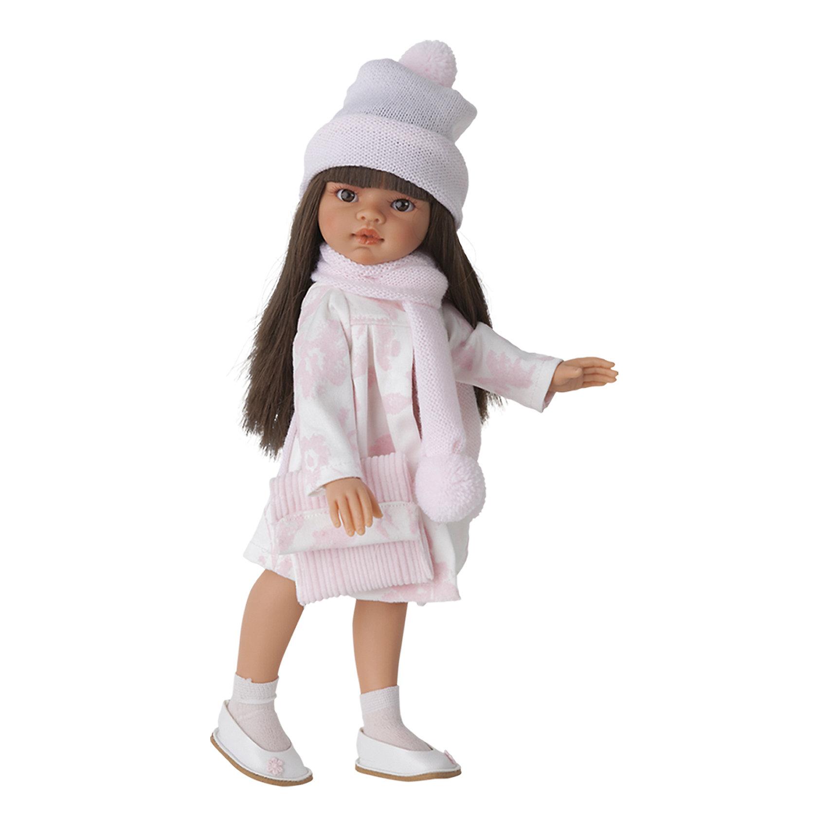 Кукла Эмили, брюнетка, 33 см, Munecas Antonio JuanКукла Эмили, брюнетка, 33 см, Munecas Antonio Juan (Мунекас Антонио Хуан) – красивая кукла в осеннем наряде порадует вашу девочку.<br>Очаровательная девочка Эмили - это высококачественная кукла, созданная испанским производителем Мунекас Антонио Хуан. У Эмили грациозная стройная фигура и симпатичное лицо, выполненное с тщательной прорисовкой деталей. Выразительные глазки обрамлены длинными ресницами. Длинные густые шелковистые волосы легко расчесывать и делать различные прически. Руки, ноги и голова куклы подвижны. Глаза не закрываются. Стильный наряд куклы создан испанским дизайнером. Эмили одета в красивое платье, бело-розовый плащ, шапочку и шарф с помпонами. Завершает нежный романтический образ стильная сумочка и белые туфельки с цветочком. Кукла изготовлена из высококачественного винила с добавлением силикона.<br><br>Дополнительная информация:<br><br>- Высота куклы: 33 см.<br>- Материал: текстиль, высококачественный винил, силикон<br>- Упаковка: подарочная коробка<br>- Размер упаковки: 13х17х39 см.<br>- Вес: 750 гр.<br><br>Куклу Эмили, брюнетку, 33 см, Munecas Antonio Juan (Мунекас Антонио Хуан) можно купить в нашем интернет-магазине.<br><br>Ширина мм: 130<br>Глубина мм: 170<br>Высота мм: 390<br>Вес г: 750<br>Возраст от месяцев: 36<br>Возраст до месяцев: 84<br>Пол: Женский<br>Возраст: Детский<br>SKU: 4347296