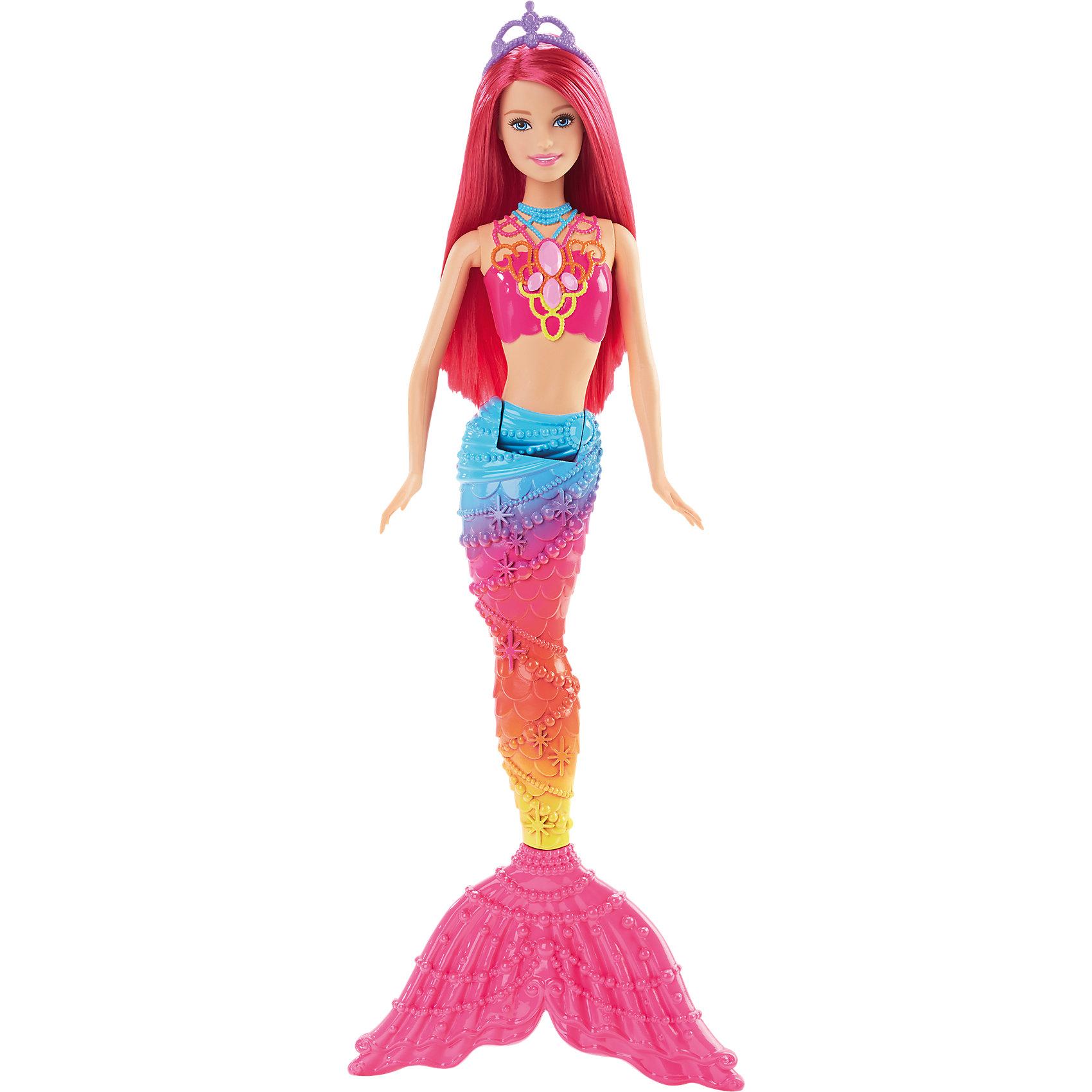 Кукла Rainbow Радужная русалочка, BarbieBarbie<br>Кукла Rainbow из серии Радужная русалочка похожа на настоящую русалку, вышедшую из моря. Длинные яркие волосы можно уложить в красивую прическу, украшенную диадемой. Кукла одета в розовый топ, хвостик радужной расцветки. Руки и хвостик подвижные, что поможет принять русалке нужную позу для сюжетно-ролевых игр. Девочка с удовольствием поиграет с подружками с этой куклой!<br><br>Дополнительная информация:<br>Материал: пластик<br>Высота куклы: 34,5 см<br>Вес: 215 грамм<br>Куклу Rainbow, Barbie можно купить в нашем интернет-магазине.<br><br>Ширина мм: 323<br>Глубина мм: 114<br>Высота мм: 45<br>Вес г: 203<br>Возраст от месяцев: 36<br>Возраст до месяцев: 72<br>Пол: Женский<br>Возраст: Детский<br>SKU: 4349930