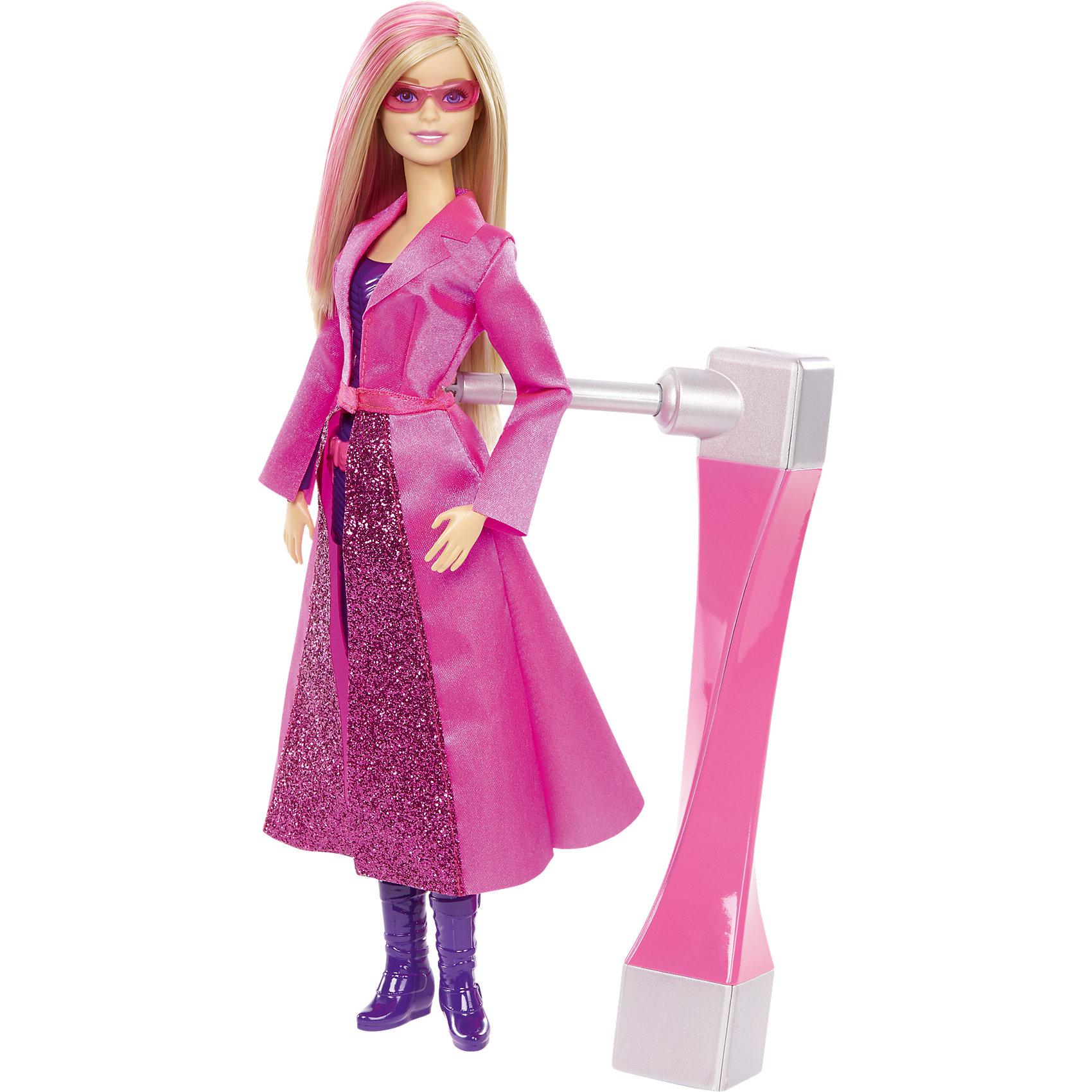 Кукла-секретный агент, BarbieСекретные агенты Barbie Spy Squad: пусть твоя кукла станет героем! В этом фильме гимнастку мирового класса Барби берут в секретные агенты вместе с подругами Терезой и Рене, и отважная троица объезжает весь мир в погоне за знаменитой взломщицей, Кэт Бурглар. Барби одета в обтягивающее пурпурное боди с поясом спец-агента, искристо-розовый плащ и розовые солнечные очки. Вставь шпионское устройство в отверстие на спине куклы и крути: Барби сделает «колесо», с которым можно не только выиграть любое соревнование, но и сбить с ног врага, а если повернуть устройство, Барби сможет делать еще и сальто! Удастся ли поймать Кэт - решать тебе! Собери всех кукол серии (продаются отдельно) и придумай свои невероятные истории! <br><br>Дополнительная информация:<br><br>- Материал: пластик, текстиль.<br>- Размер куклы: 29 см.<br>- Комплектация: кукла, аксессуары.<br>- Голова, руки, ноги куклы подвижные.<br><br>Кукла-секретного агента, Barbie (Барби), можно купить в нашем магазине.<br><br>Ширина мм: 328<br>Глубина мм: 231<br>Высота мм: 66<br>Вес г: 382<br>Возраст от месяцев: 36<br>Возраст до месяцев: 72<br>Пол: Женский<br>Возраст: Детский<br>SKU: 4349946