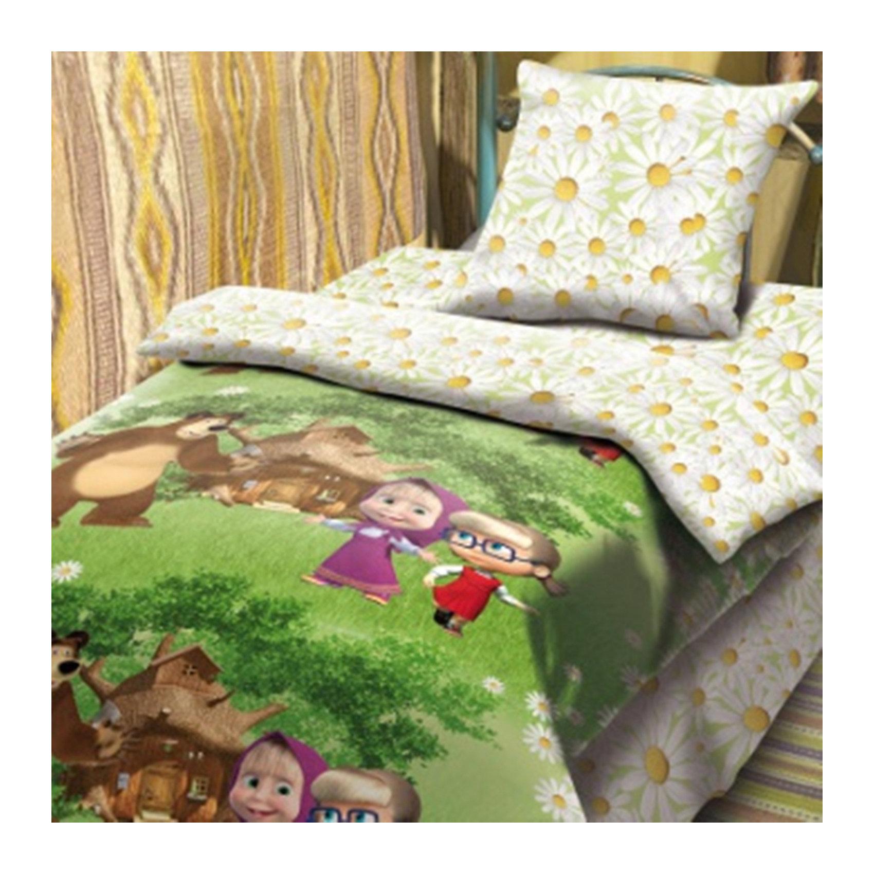 Комплект Двое на одного 1,5-спальный (наволочка 70*70), Маша и МедведьМаша и Медведь<br>Постельное бельё с героями популярного мультсериала Маша и Медведь обязательно порадует вашего ребенка и сможет стать прекрасным подарком на любой праздник. Изделие выполнено из высококачественного хлопка, прекрасно сохраняет форму и цвет после стирки, очень приятно к телу. При производстве ткани использованы гипоаллергенные красители, разрешенные для детского постельного белья. <br><br>Дополнительная информация:<br><br>- Комплектация: наволочка (1 шт.), простыня (1 шт.), пододеяльник (1 шт.).<br>- 1,5-спальный.<br>- Материал: бязь  (100% хлопок).<br>- Плотность ткани: 115 г/м2<br>- Размер: наволочка -  70х70 см, простыня - 214х150 см , пододеяльник - 215х 43 см.<br>- Стирка при 40°С.<br>- Декоративные элементы: принт.<br><br>Комплект Двое на одного 1,5-спальный (наволочка 70х70), Маша и Медведь, можно купить в нашем магазине.<br><br>Ширина мм: 250<br>Глубина мм: 350<br>Высота мм: 70<br>Вес г: 1500<br>Возраст от месяцев: 36<br>Возраст до месяцев: 144<br>Пол: Женский<br>Возраст: Детский<br>SKU: 4358356