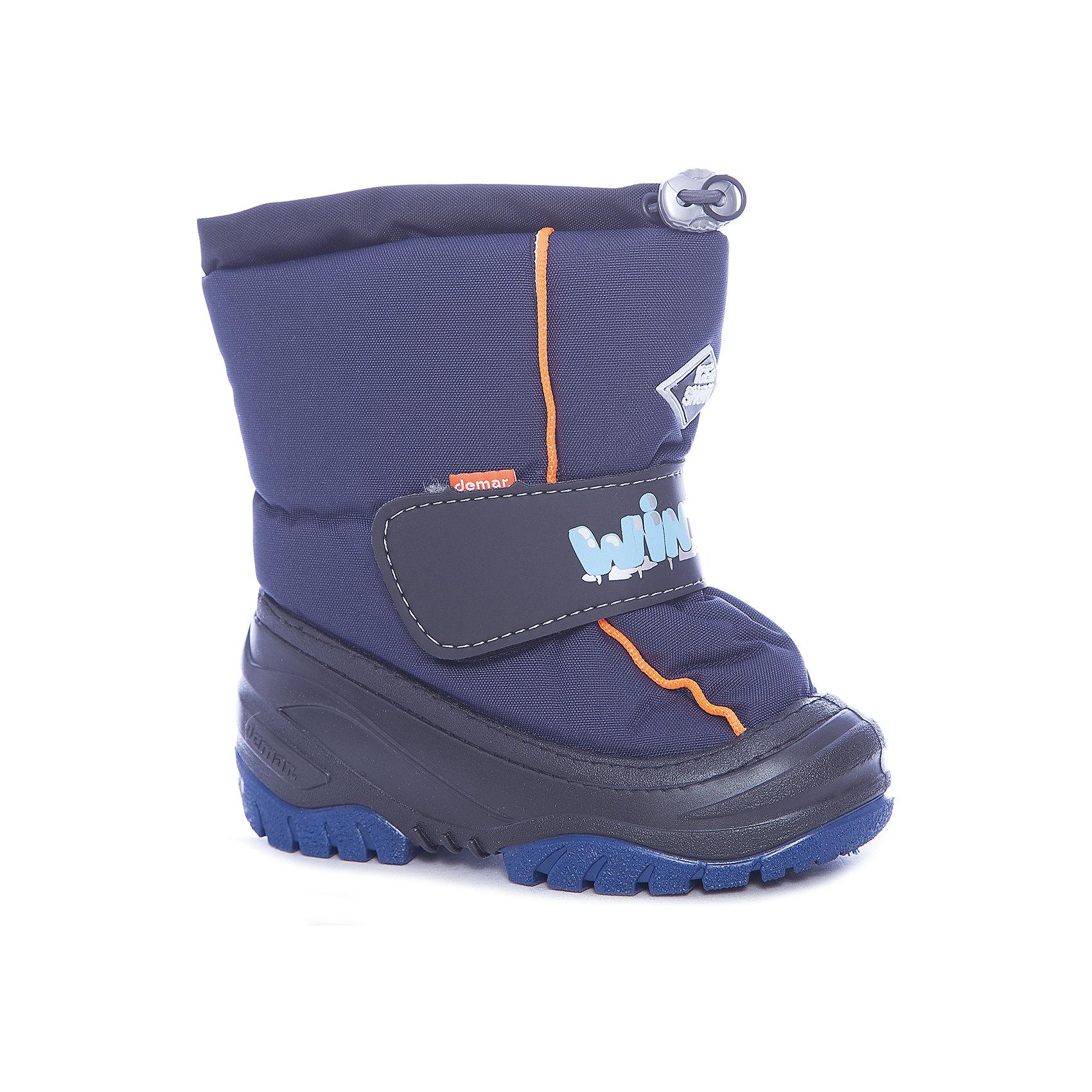 Сноубутсы Ice Snow для мальчика DemarСноубутсы<br>Характеристики товара:<br><br>• цвет: синий<br>• материал верха: текстиль<br>• материал подкладки: 100% натуральная шерсть <br>• материал подошвы: ТЭП<br>• температурный режим: от -20° до 0° С<br>• верх не продувается, пропитка от грязи и влаги<br>• анискользящая подошва<br>• застежка: липучка<br>• толстая устойчивая подошва<br>• усиленные пятка и носок<br>• страна бренда: Польша<br>• страна изготовитель: Польша<br><br>Зима - это время катания с горок, игр в снежки, лепки снеговиков и прогулок в снегопад! Чтобы не пропустить главные зимние удовольствия, нужно запастись теплой и удобной обувью. Такие сапожки обеспечат ребенку необходимый для активного отдыха комфорт, а подкладка из натуральной овечьей шерсти позволит ножкам оставаться теплыми. Сапожки легко надеваются и снимаются, отлично сидят на ноге. Они удивительно легкие!<br>Обувь от польского бренда Demar - это качественные товары, созданные с применением новейших технологий и с использованием как натуральных, так и высокотехнологичных материалов. Обувь отличается стильным дизайном и продуманной конструкцией. Изделие производится из качественных и проверенных материалов, которые безопасны для детей.<br><br>Сапоги от бренда Demar (Демар) можно купить в нашем интернет-магазине.<br><br>Ширина мм: 257<br>Глубина мм: 180<br>Высота мм: 130<br>Вес г: 420<br>Цвет: синий<br>Возраст от месяцев: 18<br>Возраст до месяцев: 21<br>Пол: Мужской<br>Возраст: Детский<br>Размер: 22/23,26/27,20/21,28/29,24/25<br>SKU: 4366163