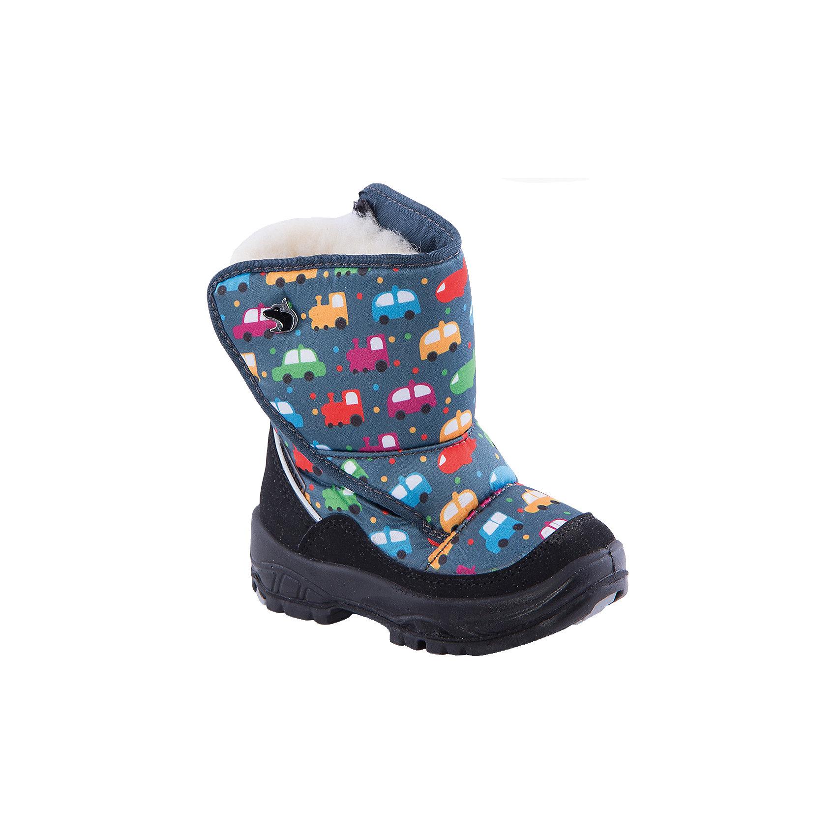 Сапоги  Alaska OriginaleМембранная обувь AlaskaOriginale - это стильная, удобная и высокотехнологичная обувь нового поколения, которая при любой погоде остается сухой и теплой. Полиуретановая литая подошва с системой «ANTISLIDE» обеспечивает превосходное сцепление, высокую устойчивость к деформациям, низким температурами и гарантирует полную водонепроницаемость. Мембрана позволяет стопе «дышать», сохраняя ее сухой. Благодаря всем этим свойствам обувь обеспечивает комфорт при ношении от +5 до -25 градусов.<br><br>Состав: <br>Материалы верха:Текстильные материалы.Подкладка:Шерсть.Подошва:Полиуретан+Термоэластопласт<br><br>Ширина мм: 257<br>Глубина мм: 180<br>Высота мм: 130<br>Вес г: 420<br>Цвет: синий<br>Возраст от месяцев: 12<br>Возраст до месяцев: 15<br>Пол: Мужской<br>Возраст: Детский<br>Размер: 21,20,22,23,24,25,27,26<br>SKU: 4399058