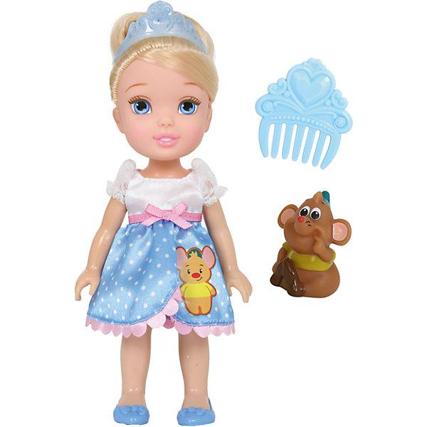 Кукла  Малышка с питомцем: Золушка, 15 см, Disney PrincessИгрушки<br>Кукла  Малышка с питомцем: Золушка, 15 см, Disney Princess – эта маленькая принцесса станет отличным подарком для девочки!<br>Кукла Disney Малышка с питомцем: Золушка непременно приведет в восторг вашу дочурку и обязательно станет ее любимой игрушкой. Кукла одета в платье с белым лифом и голубой юбочкой в горошек с аппликацией в виде мышонка. На голове Золушки тиара. Волосы мягкие на ощупь, их можно заплетать и укладывать в различные прически. Глазки куклы выполнены по особой запатентованной технологии - линзы делают их яркими и живыми. Милую очаровательную малышку с выразительным личиком сопровождает ее любимый питомец, готовый встать на защиту в сложной ситуации. Благодаря играм с куклой, ваша девочка сможет развить фантазию и любознательность, овладеть навыками общения и научиться ответственности.<br><br>Дополнительная информация:<br><br>- В комплекте: кукла, питомец, гребешок<br>- Высота куклы: 15 см.<br>- Материал: пластик, текстиль<br><br>Куклу Малышка с питомцем: Золушка, 15 см, Disney Princess можно купить в нашем интернет-магазине.<br>Ширина мм: 140; Глубина мм: 195; Высота мм: 60; Вес г: 201; Возраст от месяцев: 36; Возраст до месяцев: 84; Пол: Женский; Возраст: Детский; SKU: 4401531;