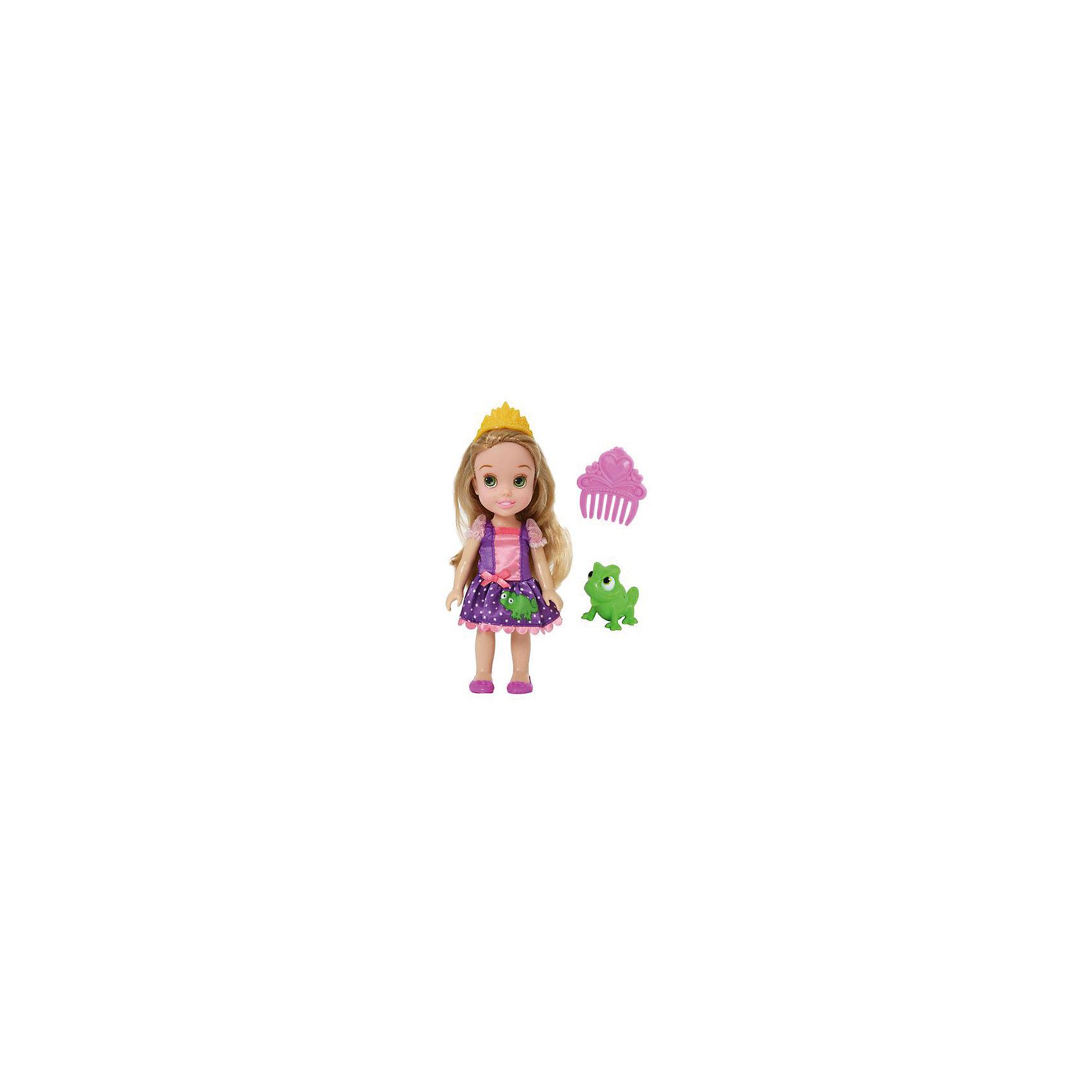 Кукла  Малышка с питомцем: Рапунцель, 15 см, Disney PrincessИгрушки<br>Кукла  Малышка с питомцем: Рапунцель, 15 см, Disney Princess – эта маленькая принцесса станет отличным подарком для девочки!<br>Кукла Disney Малышка с питомцем: Рапунцель непременно приведет в восторг вашу дочурку и обязательно станет ее любимой игрушкой. Кукла одета в сиреневое платье с рукавами-фонариками, юбка которого украшена аппликацией в виде лягушонка. На голове Рапунцель тиара. Волосы мягкие на ощупь, их можно заплетать и укладывать в различные прически. Глазки куклы выполнены по особой запатентованной технологии - линзы делают их яркими и живыми. Милую очаровательную малышку с выразительным личиком сопровождает ее любимый питомец, готовый встать на защиту в сложной ситуации. Благодаря играм с куклой, ваша девочка сможет развить фантазию и любознательность, овладеть навыками общения и научиться ответственности.<br><br>Дополнительная информация:<br><br>- В комплекте: кукла, питомец, гребешок<br>- Высота куклы: 15 см.<br>- Материал: пластик, текстиль<br><br>Куклу  Малышка с питомцем: Рапунцель, 15 см, Disney Princess можно купить в нашем интернет-магазине.<br><br>Ширина мм: 140<br>Глубина мм: 195<br>Высота мм: 60<br>Вес г: 201<br>Возраст от месяцев: 36<br>Возраст до месяцев: 84<br>Пол: Женский<br>Возраст: Детский<br>SKU: 4401532
