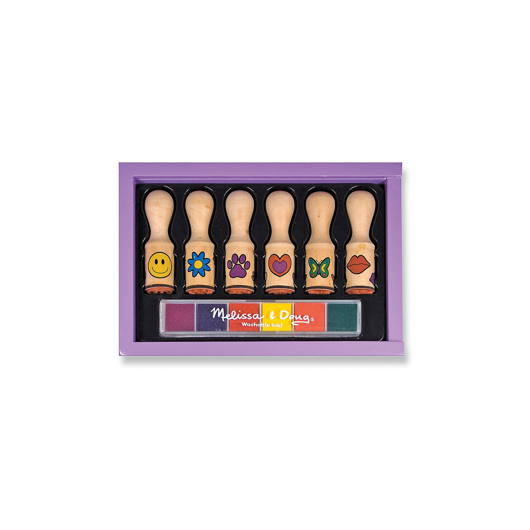 Набор печатей Веселая ручкаРисование<br>Дети обожают штампики, с их помощью можно украсить открытку, тетрадь, рисунок или альбом, создать оригинальную картинку. Этот набор состоит из шести деревянных печатей с удобными ручками, на которые нанесены рисунки. Также в комплект входят шесть губок разных цветов, пропитанных нетоксичными чернилами. Набор развивает воображение, фантазию и очень увлекает юных художников. Компания Melissa&amp;Doug придерживается самых высоких стандартов качества и безопасности, используя в производстве своей продукции только экологичные материалы и гипоаллергенные красители.<br><br>Дополнительная информация:<br><br>- Размер упаковки: 19x13x3 см<br>- Материал: дерево, прессованный картон, ПВХ.<br>- Комплектация: штампы (6 шт), губки, пропитанные разноцветными чернилами (6 шт).<br><br>Набор печатей Веселая ручка можно купить в нашем магазине.<br><br>Ширина мм: 140<br>Глубина мм: 190<br>Высота мм: 30<br>Вес г: 249<br>Возраст от месяцев: 48<br>Возраст до месяцев: 144<br>Пол: Унисекс<br>Возраст: Детский<br>SKU: 4407117