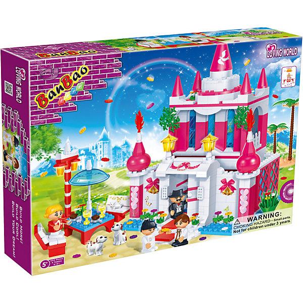 Конструктор Замок с аксессуарами, BanBaoИдеи подарков<br>Конструирование - увлекательный и полезный процесс, развивающий мелкую моторику, мышление и фантазию. Яркий конструктор, созданный специально для девочек, обязательно заинтересует малышек. С помощью этого набора можно создать замечательный замок и множество аксессуаров, дающих простор для игр и развития фантазии ребенка. Все детали конструктора выполнены из высококачественного экологичного пластика, имеют идеально гладкую поверхность и прочно крепятся друг к другу. Прекрасный вариант для подарка на любой праздник. <br><br>Дополнительная информация:<br><br>- Конструктор развивает усидчивость, внимание, фантазию и мелкую моторику.<br>- Материал: пластик.<br>- Комплектация: 6 фигурок, замок, стол для фуршета, аксессуары.<br>- Количество деталей: 552.<br>- Размер упаковки: 45 х 35 х 7 см.<br>- Вес: 1,65 кг. <br><br>Конструктор Замок с аксессуарами, BanBao (БанБао), можно купить в нашем магазине.<br><br>Ширина мм: 450<br>Глубина мм: 350<br>Высота мм: 70<br>Вес г: 1233<br>Возраст от месяцев: 60<br>Возраст до месяцев: 144<br>Пол: Женский<br>Возраст: Детский<br>SKU: 4411811