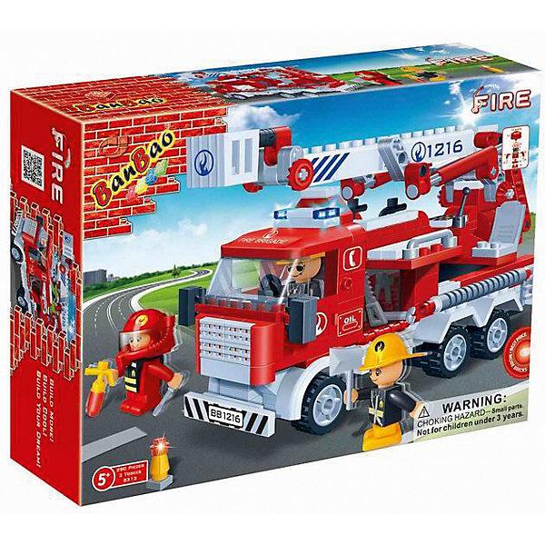 Конструктор Пожарная машина, BanBaoПластмассовые конструкторы<br>Собери свою пожарную машину, которая так похожа на настоящую! Машина имеет отличную детализацию и реалистичный внешний вид, множество прекрасно проработанных деталей, которые открывают простор для всевозможных игр, развивающих воображение ребенка.<br>Конструирование - увлекательный и полезный процесс, развивающий мелкую моторику, мышление и фантазию. Все детали конструктора выполнены из высококачественного экологичного пластика, имеют идеально гладкую поверхность и прочно крепятся друг к другу. Прекрасный вариант для подарка на любой праздник.<br><br>Дополнительная информация:<br><br>- Конструктор развивает усидчивость, внимание, фантазию и мелкую моторику.<br>- Материал: пластик.<br>- Комплектация: 3 фигурки, детали конструктора.<br>- Колеса крутятся.<br>- Вышка поднимается.<br>- Количество деталей: 290<br>- Размер упаковки: 29 х 22 х 5 см.<br><br>Конструктор Пожарная машина, BanBao (БанБао), можно купить в нашем магазине.<br><br>Ширина мм: 330<br>Глубина мм: 240<br>Высота мм: 70<br>Вес г: 638<br>Возраст от месяцев: 60<br>Возраст до месяцев: 144<br>Пол: Мужской<br>Возраст: Детский<br>SKU: 4411850